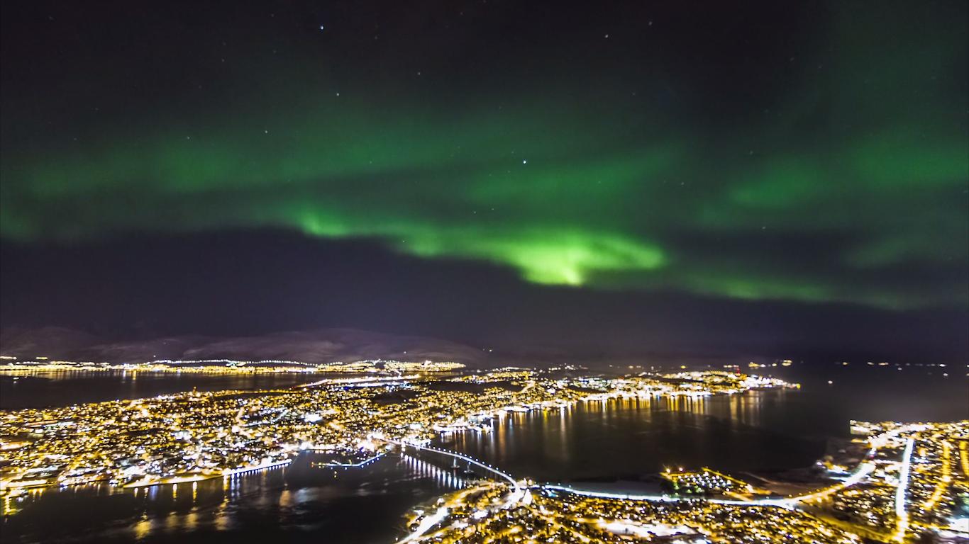 Timelapse-videoen byr også på Nordlyset.Foto: Morten Rustad/Vimeo