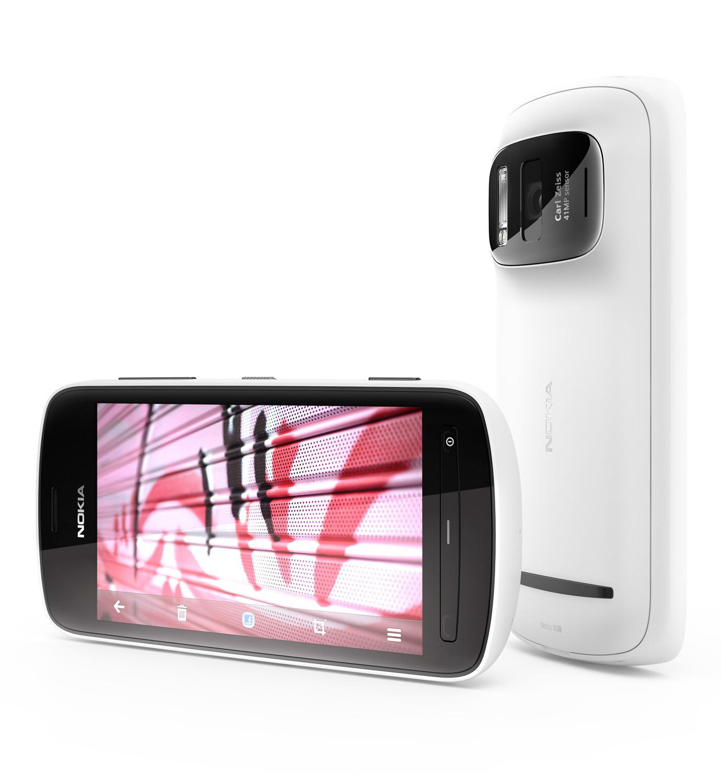 Nokia 808 PureView hadde et helt ekstremt kamera - og Symbian. Modellen har sine fans, men ble aldri noen kjempehit for Nokia.Foto: Nokia