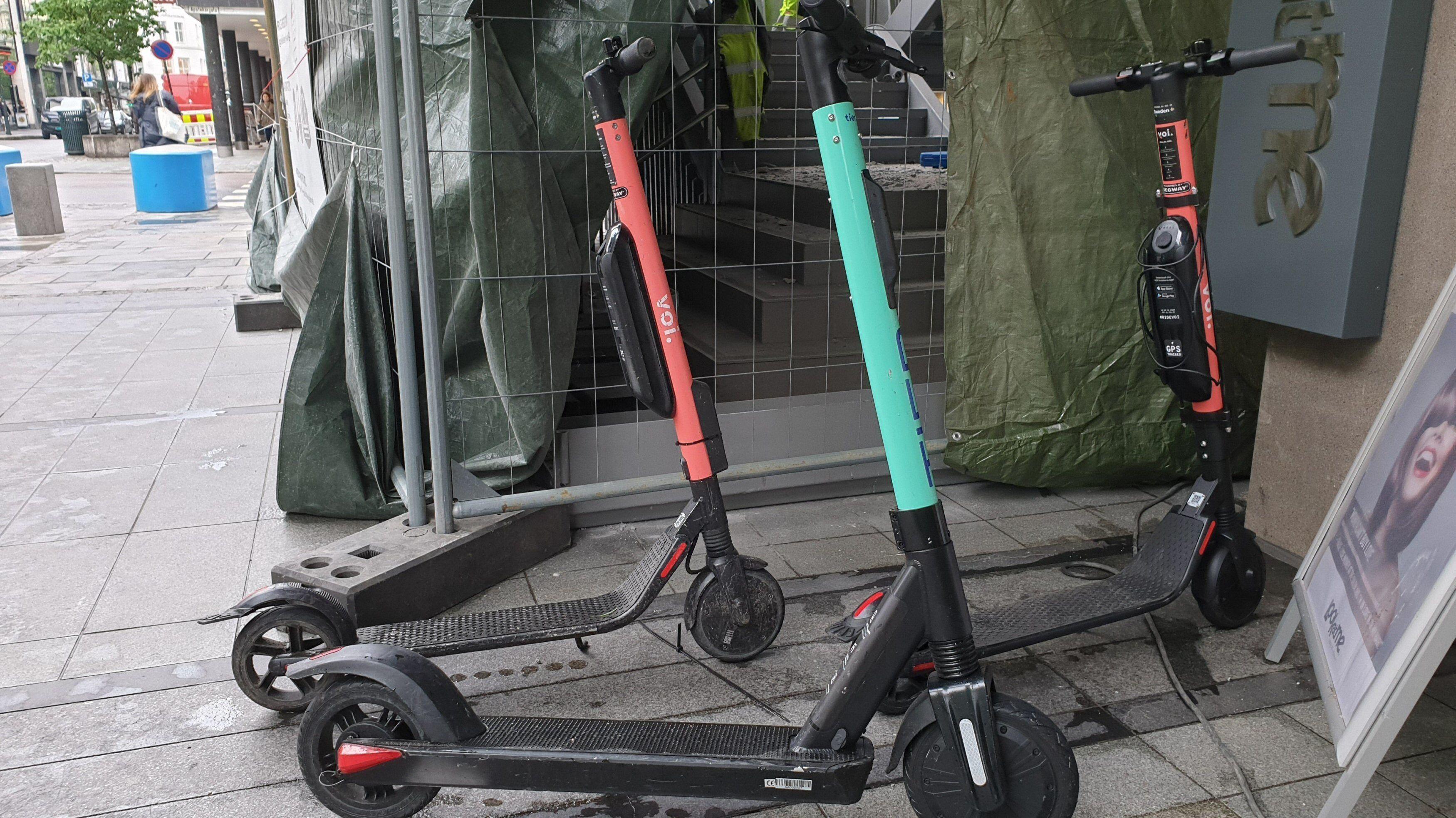Amerikansk by forbyr elsparkesykler etter at mann krasjet og døde