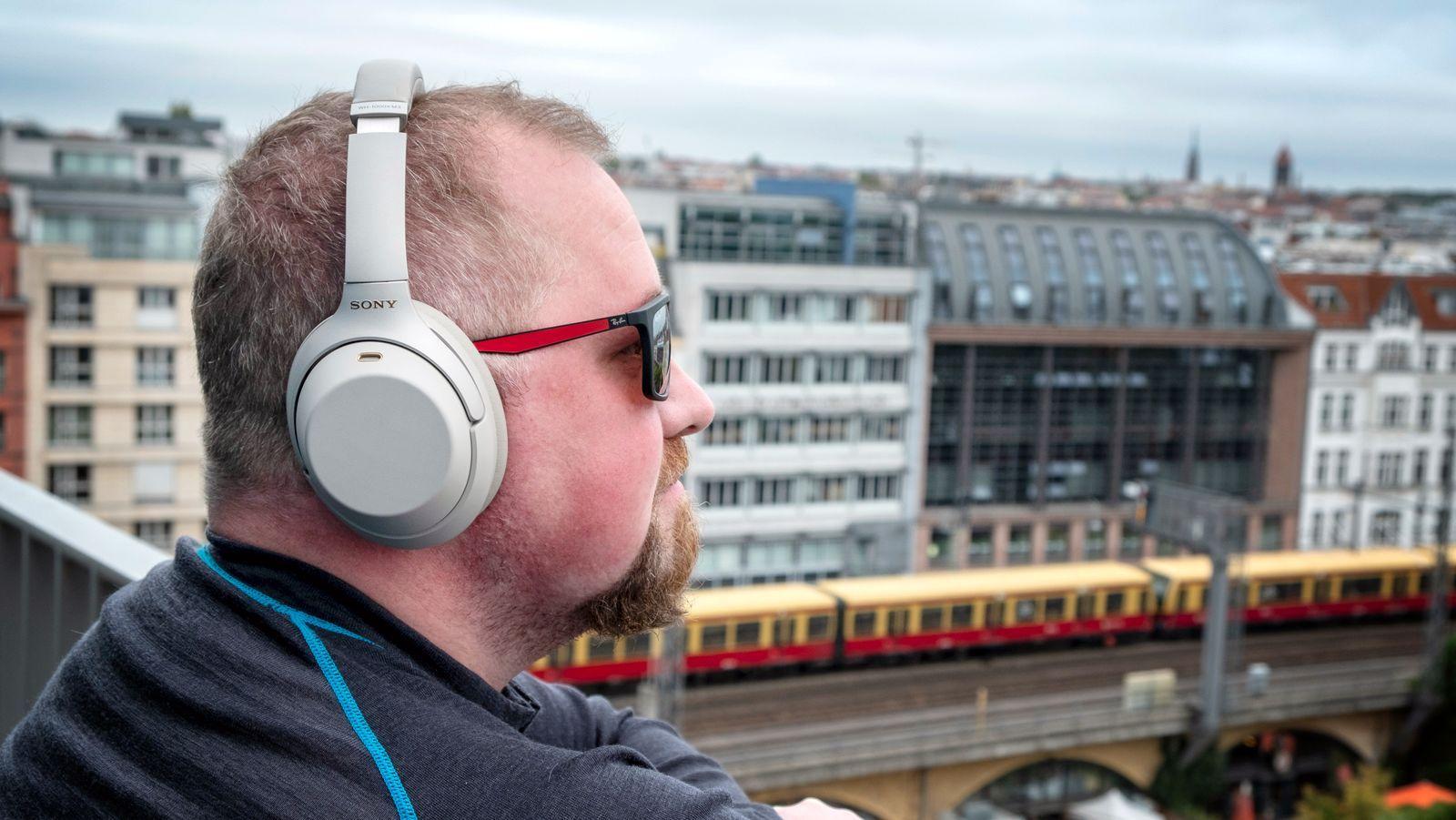 De kommende hodetelefonene virker å få samme design som dagens WH-1000XM3, som er avbildet.