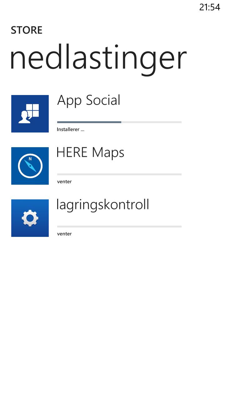 Vi forsøkte å forlate appbutikken under en oppdatering. Den fortsatte der vi slapp da vi kom tilbake. Windows Phone er fortsatt ingen kløpper på å gjøre mange ting samtidig.Foto: Finn Jarle Kvalheim, Amobil.no