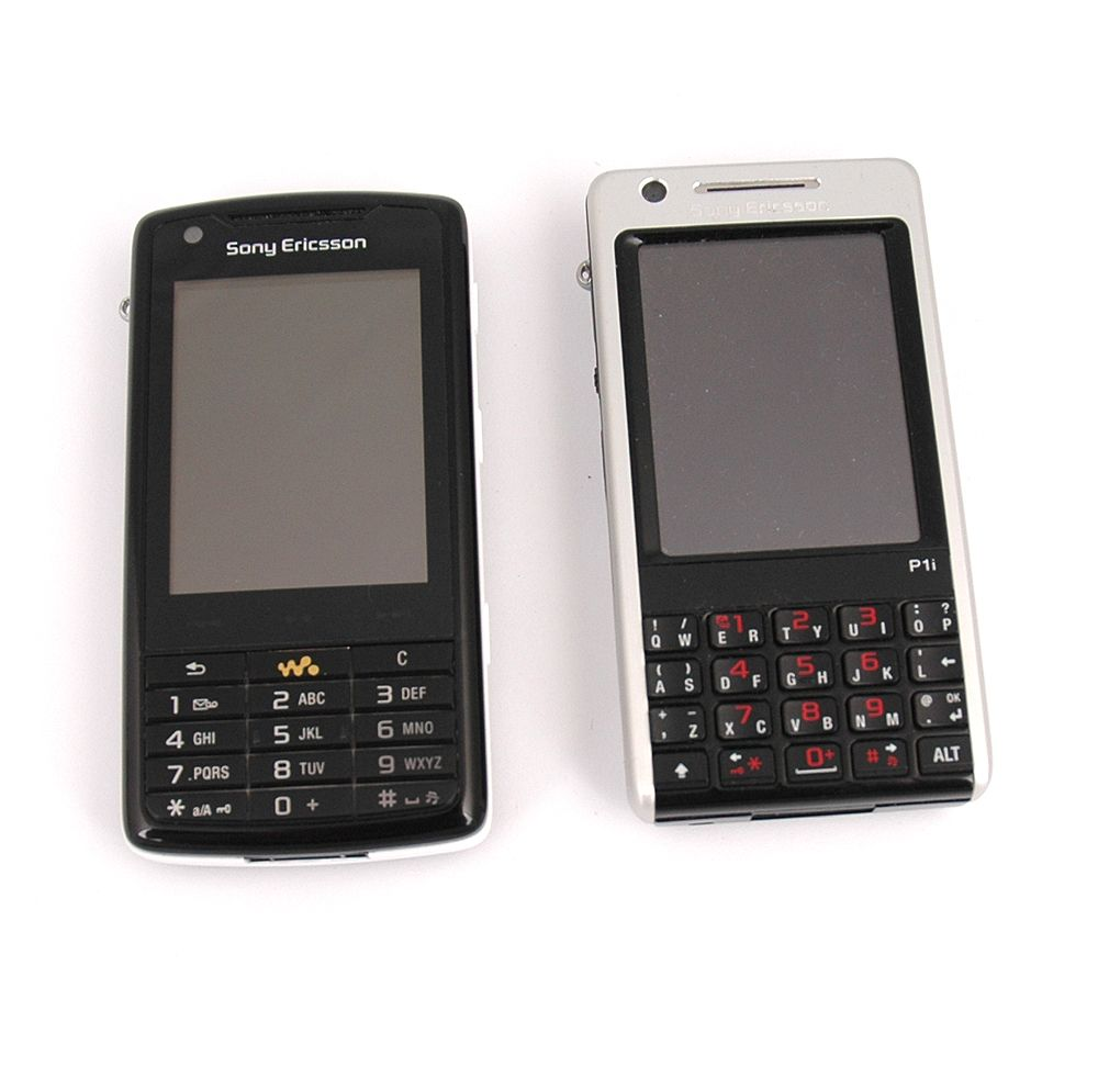 W960i er omtrent like stor som Sony Ericsson P1i, og nesten identisk i bruk.