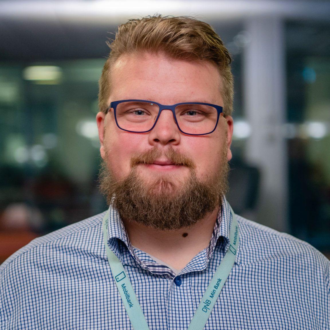 Oscar Nordström, produkteier i DNB, sier selskapet jobber med å få på plass saldovisning i den nye mobilbankappen.