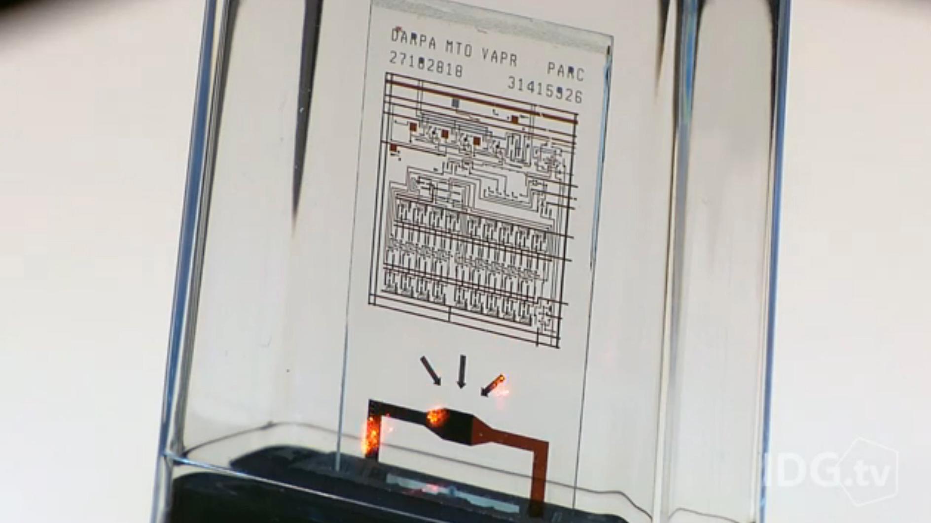 «Denne databrikken ødelegger seg selv om 5... 4...»