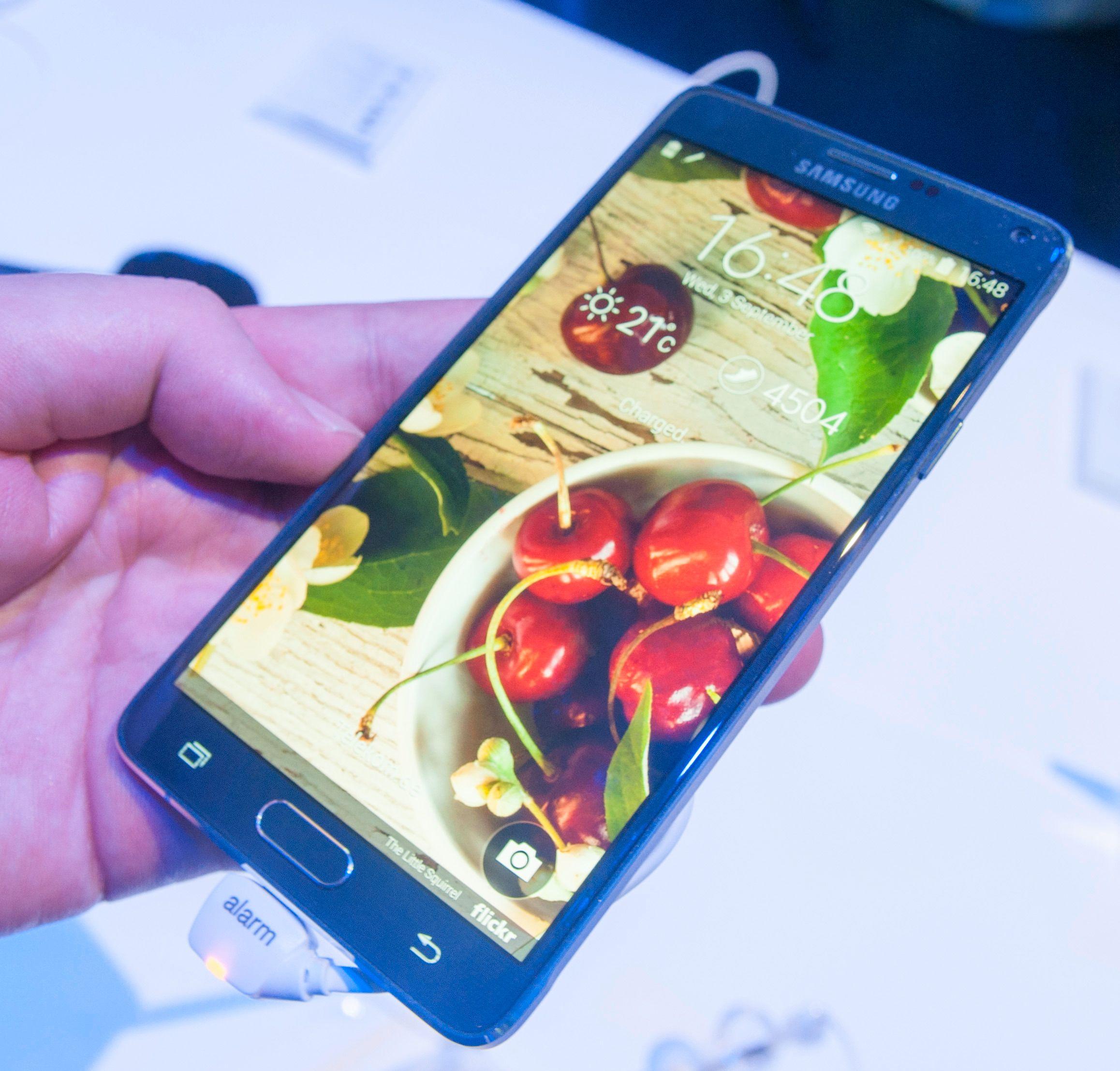 Den flotte skjermen er ett av mange høydepunkt ved Galaxy Note 4. .Foto: Finn Jarle Kvalheim, Amobil.no