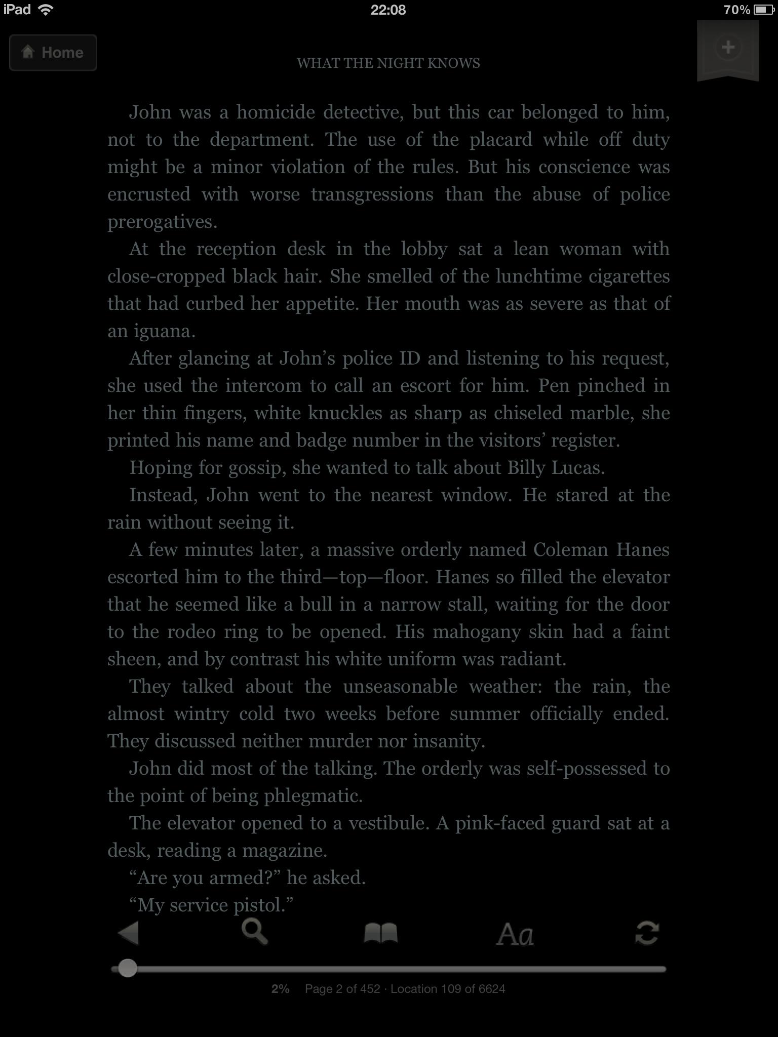 ... eller du leser bøker. Her har vi brukt Kindle-appen med sort bakgrunn.