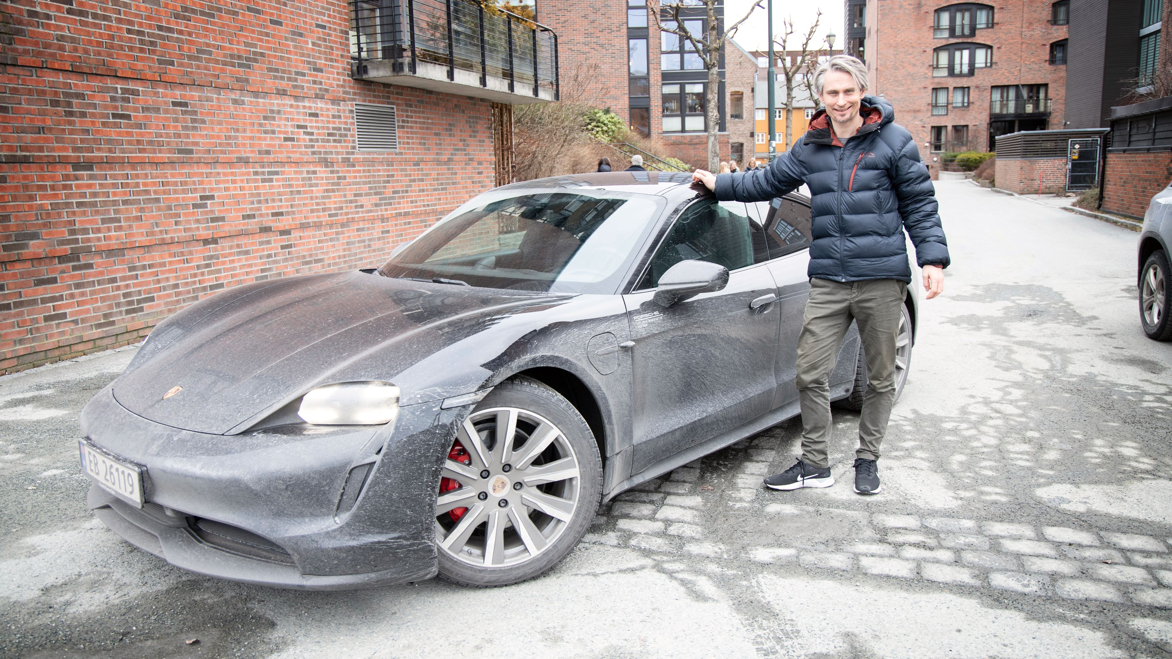 Porsche Norges administrerende direktør Morten Scheel kan se frem mot en tredobling av Porsches leveranser i Norge i 2020, takket være Taycan.