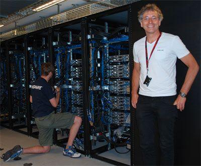 IT-direktør Lars Oftedal under installeringen av Abel tidligere i år.Foto: USIT