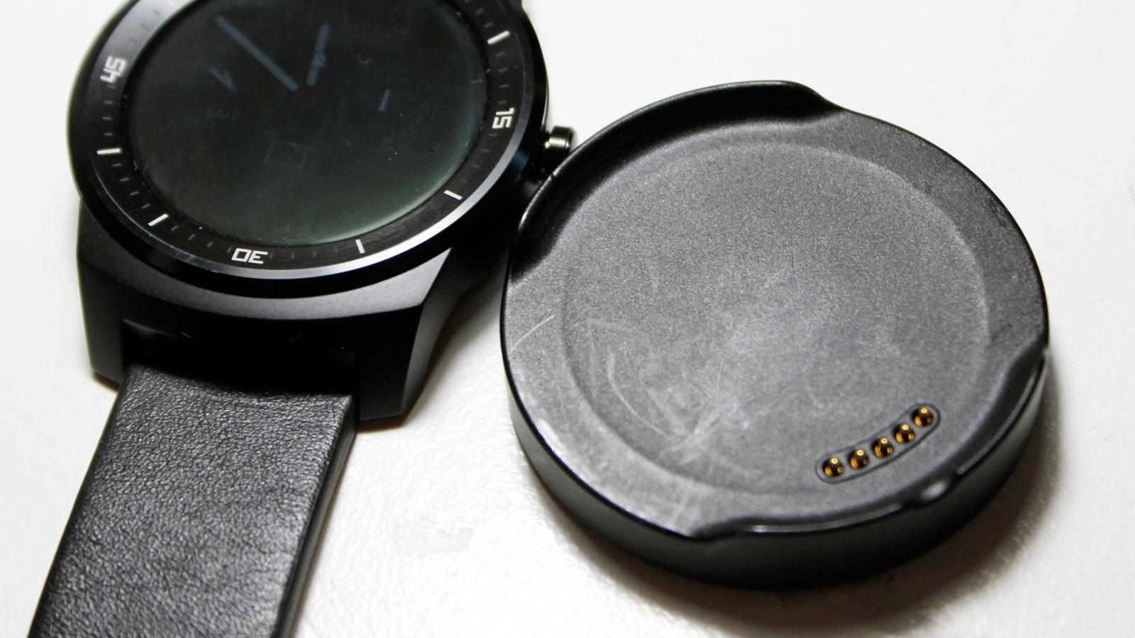 Ladekrybben inneholder en magnet som fester seg til nøkler og annet du har i lomma. .Foto: Espen Irwing Swang, Tek.no