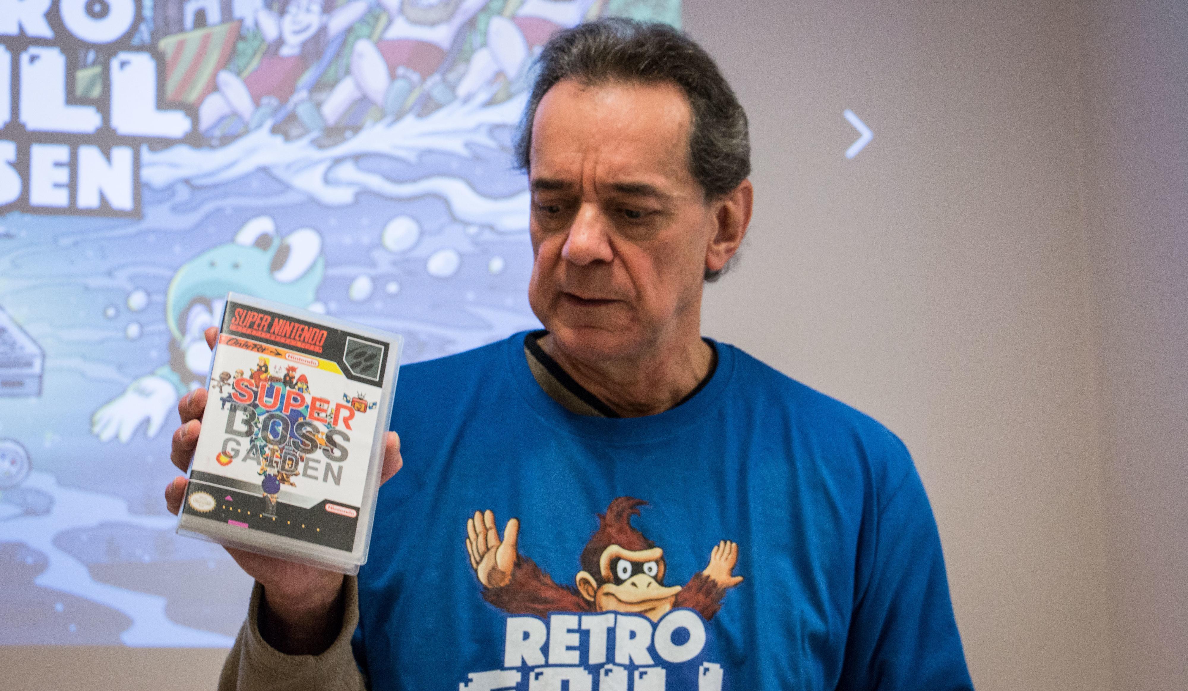 Super Boss Gaiden har til og med fått et skikkelig etui, og Terry Diebold tar med seg spillet hver gang han reiser med spillkonsollen.