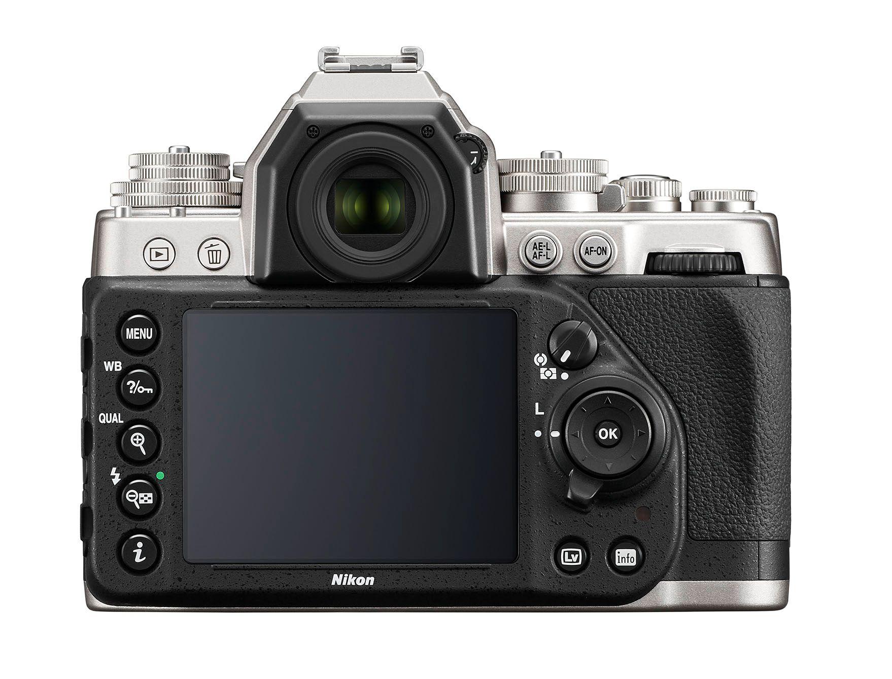 Nok av knapper og skjerm her.Foto: Nikon