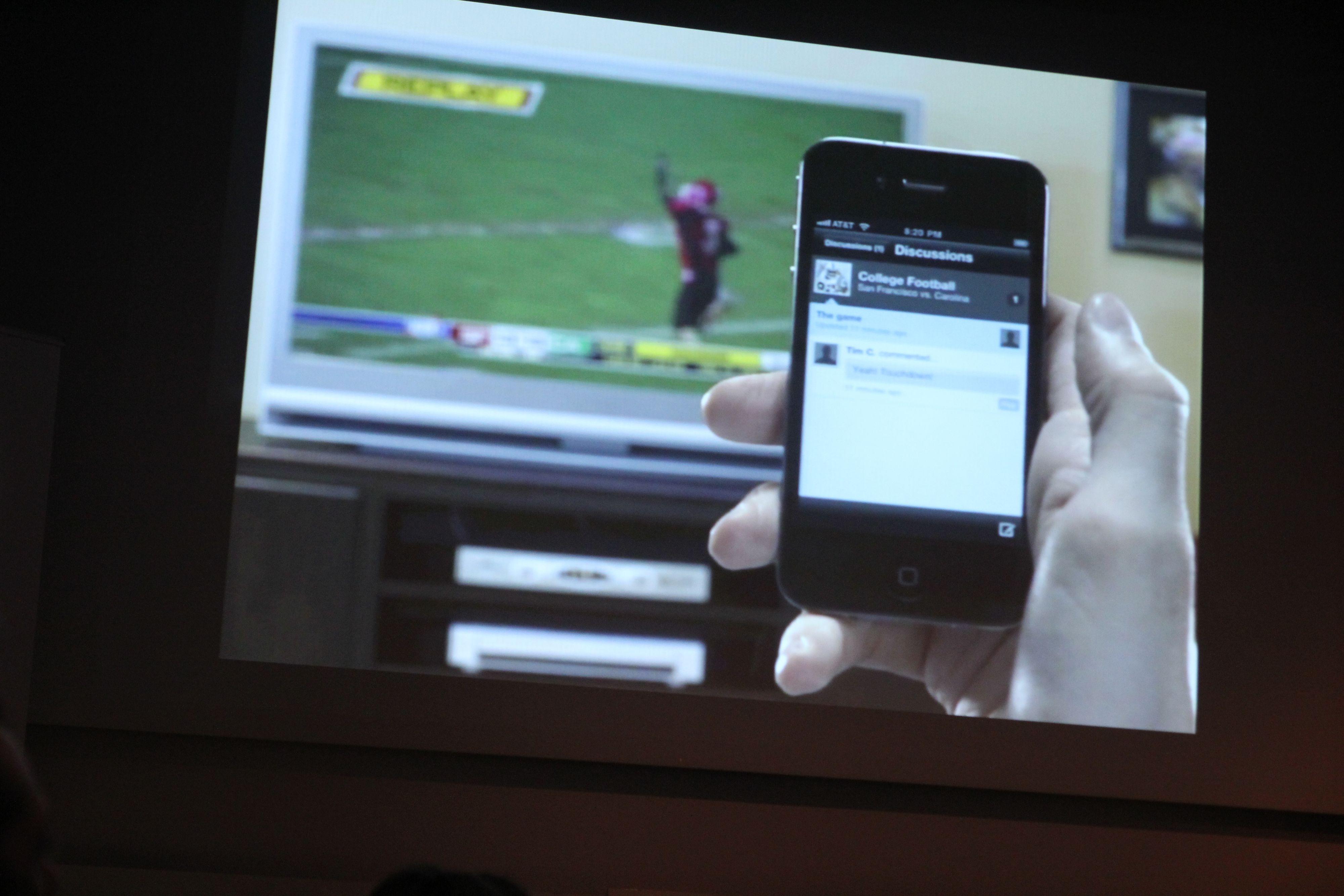 I tillegg til å kunne bruke mobil eller nettbrett som en ekstra skjerm, skal du også kunne gi deg merverdi i form av ekstra informasjon til TV-programmene du ser på.Foto: Niklas Plikk, Hardware.no