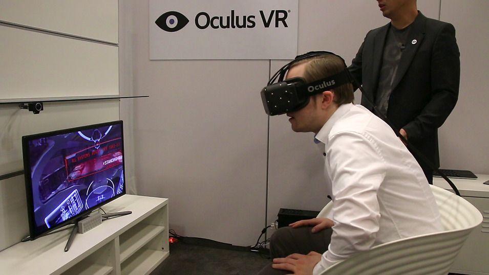 Her prøver vi en tidlig versjon av Oculus Rift. Foto: Jørgen Elton Nilsen, Tek.no