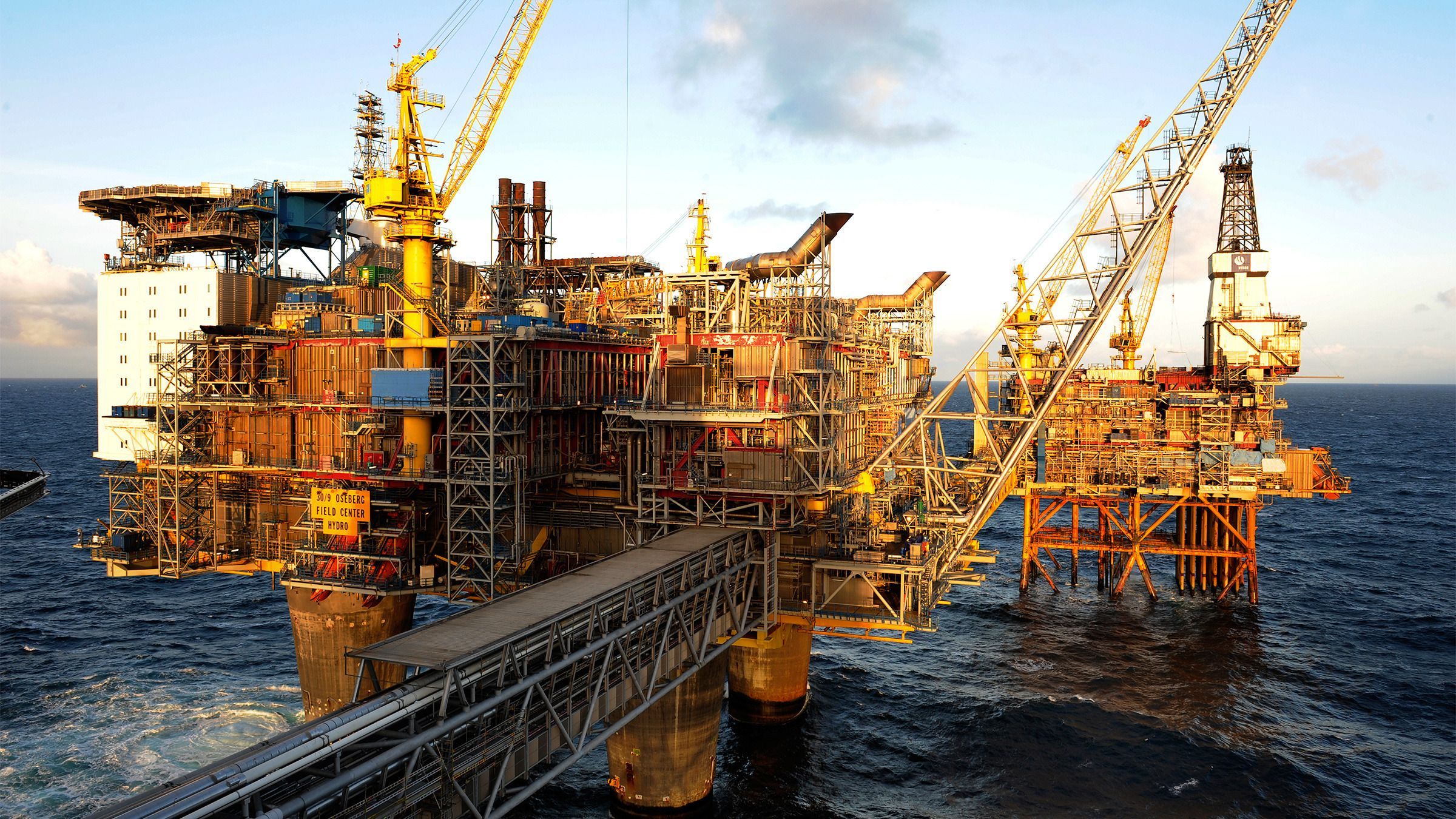 Norge er som kjent en stor energiprodusent, og særlig olje har vært viktig for landet – men skal vi tro de største optimistene er det mer enn hundre ganger så mye energi i norsk thorium som i all norsk olje og gass sammenlagt.Foto: Marit Hommedal, NTB Scanpix