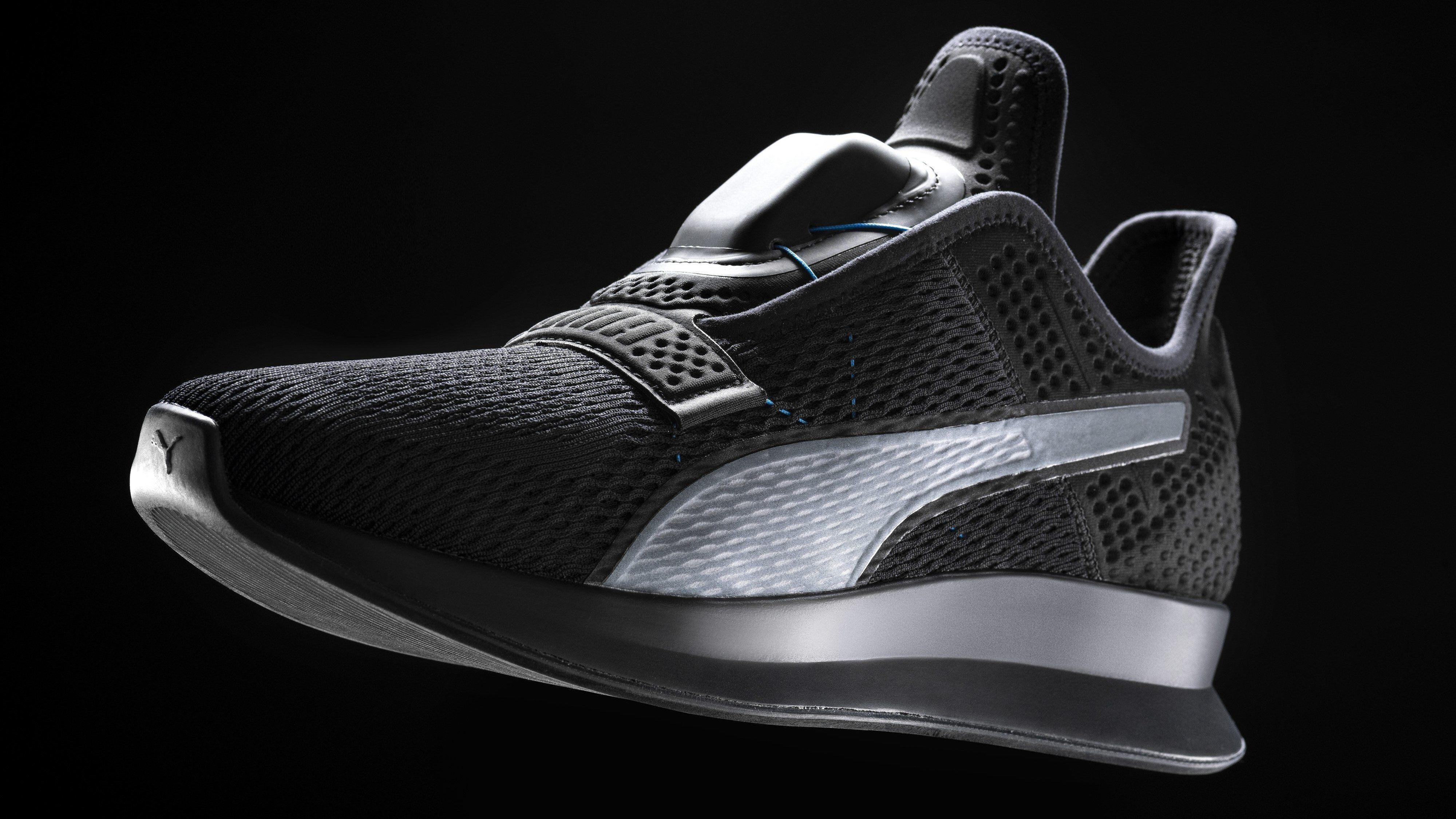 Nike får konkurranse – nå viser Puma også frem selvknytende sko