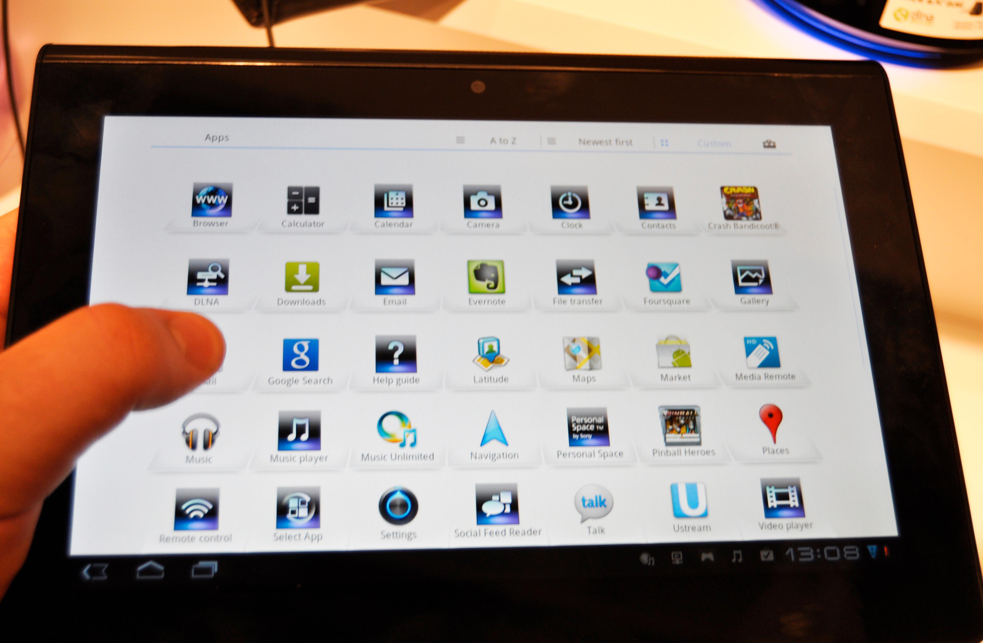 Hvit bakgrunn i applikasjonsmenyen. Bakgrunnen kan endres også på andre Honeycomb-brett, men de leveres vanligvis med sort bakgrunn.
