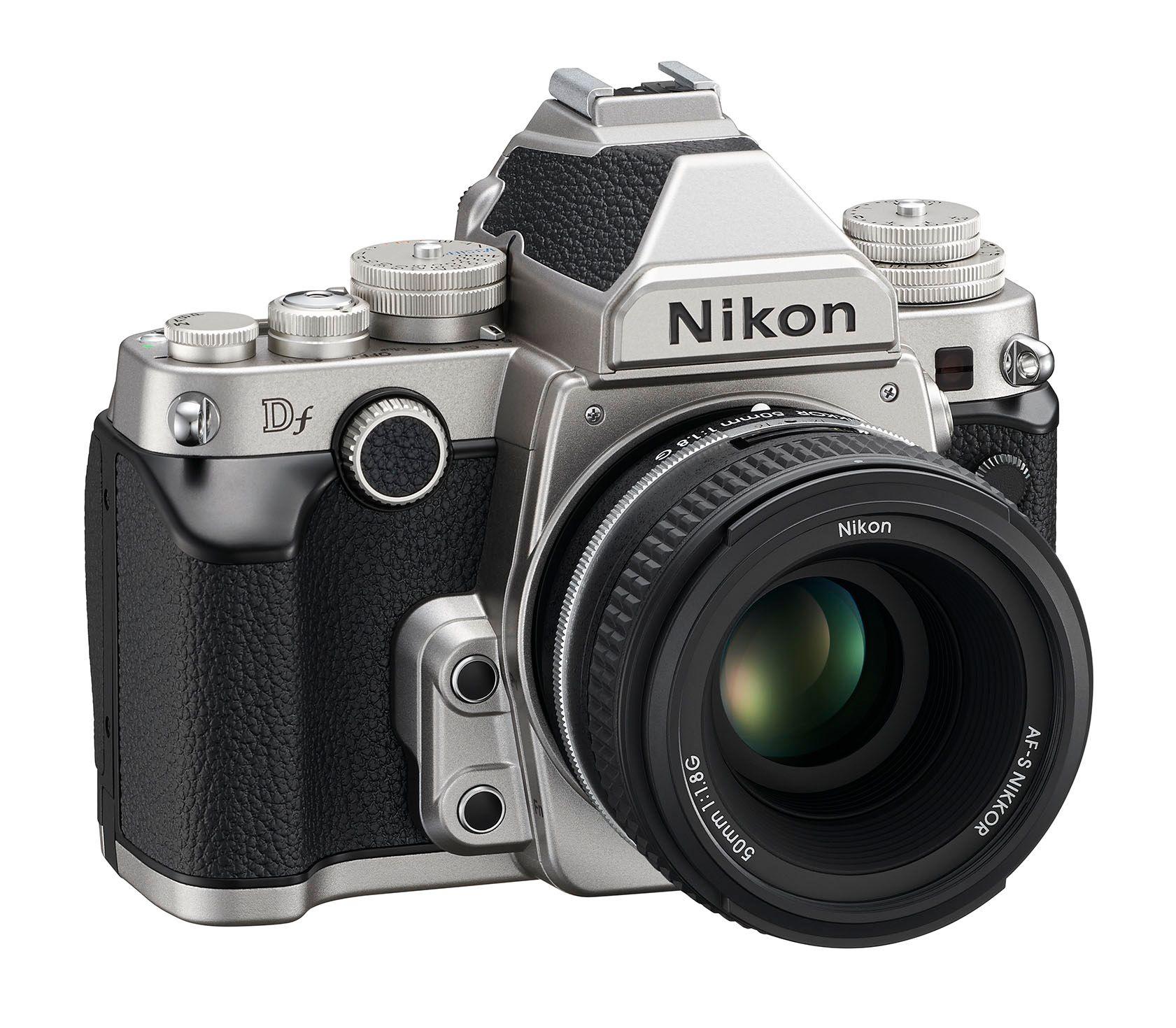 Nikon Df i sølv.Foto: Nikon