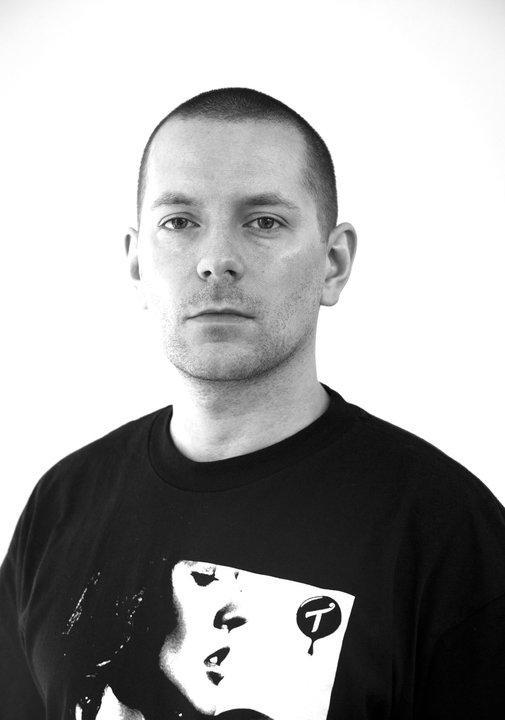 Thomas Marynowski anmelder mobiltelefoner og spill for ITavisen.