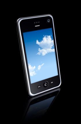 Microsoft må få produsenter på laget, og overbevise de om at operativsystemet og skyen fungerer på en sikker, rask og stabil måte.