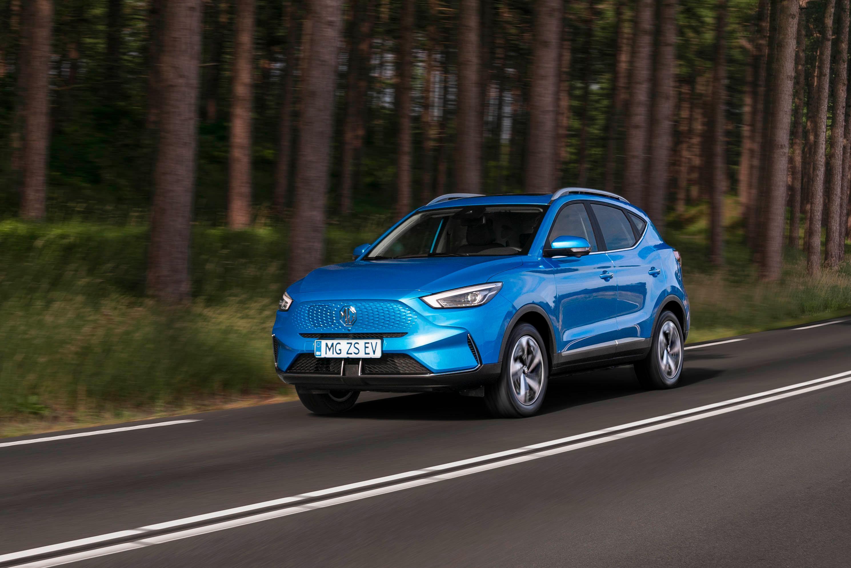 Nye ZS har blant annet fått en ansiktsløft på grillen, som gjør at den minner litt mer om Hyundai Kona i utforming.