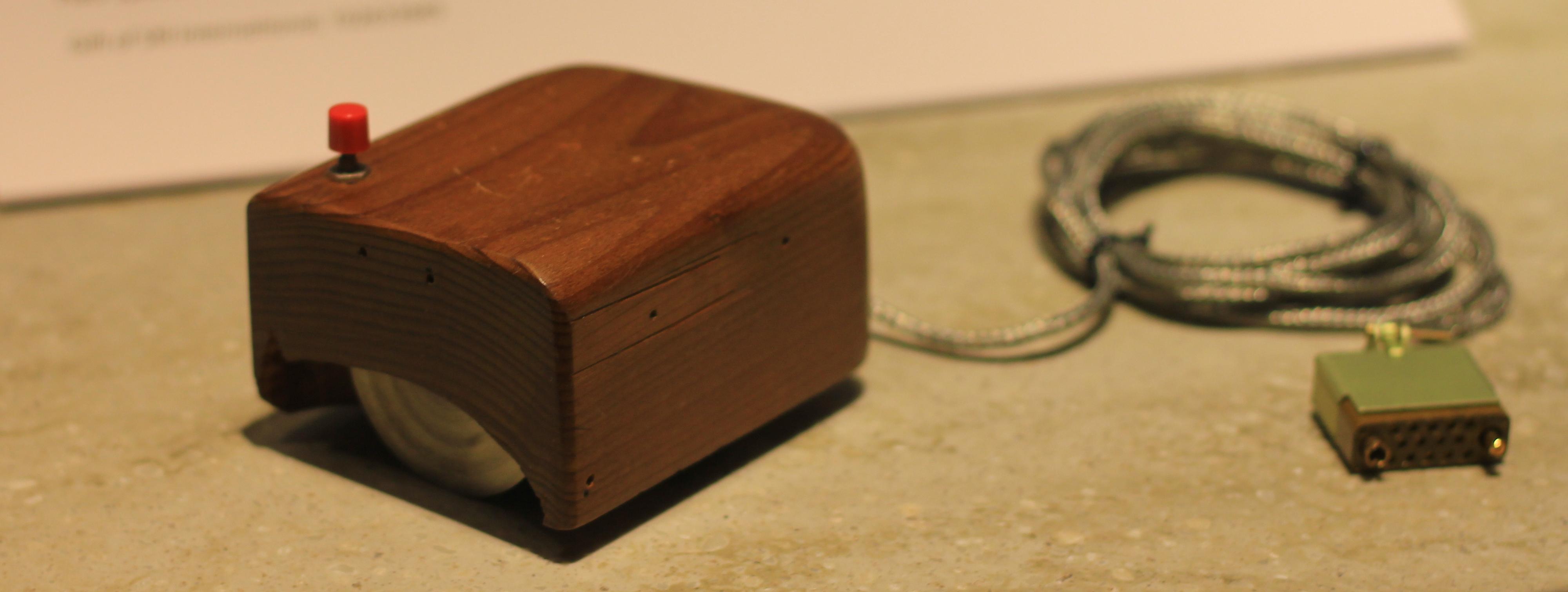 En av de første prototypene til Doug og Bill.Foto: Wikimedia Commons
