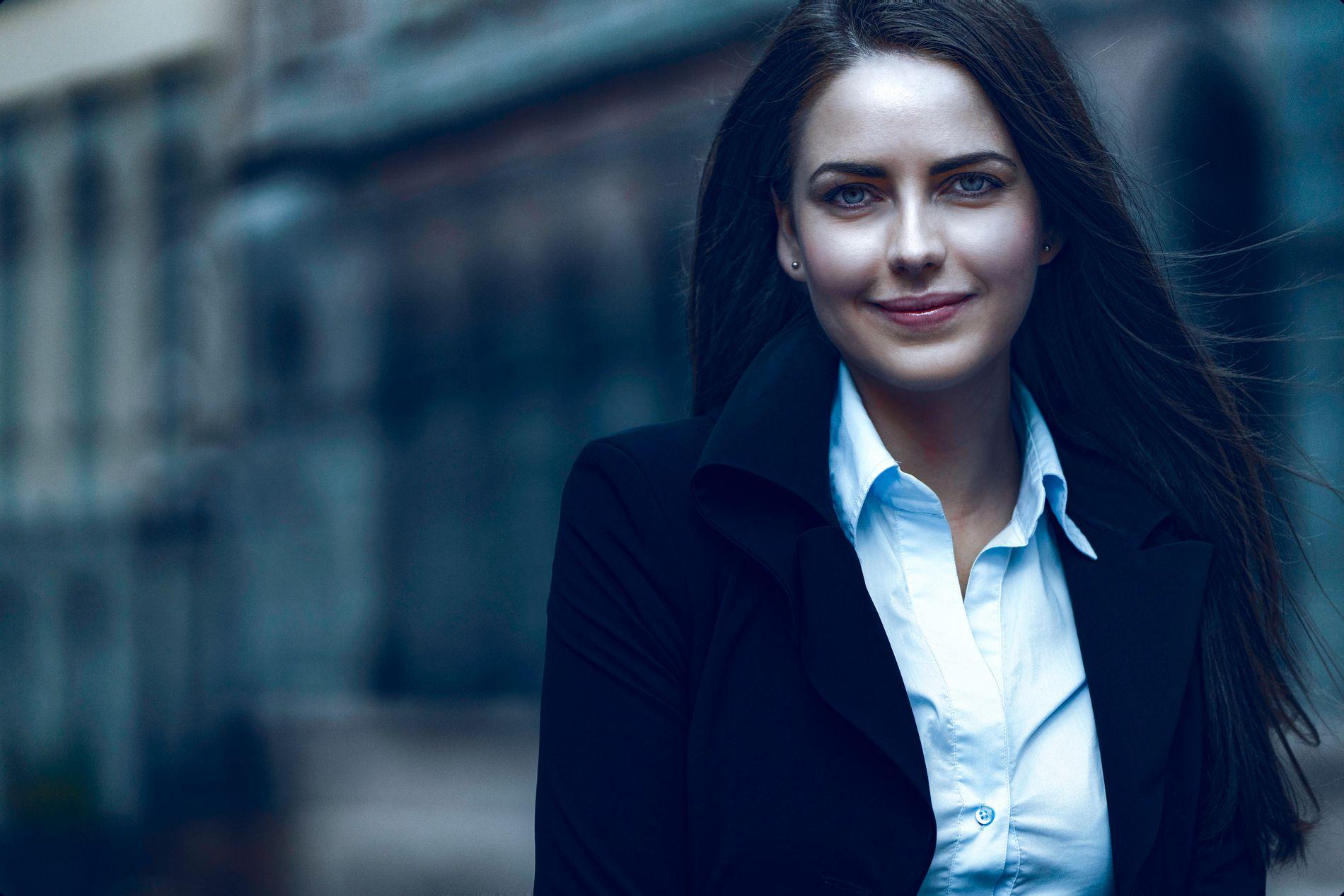Nyansatte Kamilla Slettevoll ser frem til å ta fatt på arbeidsoppgavene hos PrivatMegleren.