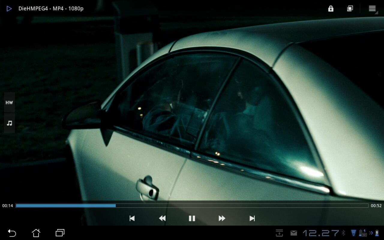 MP4 i full-HD fungerer fint. Dette er også formatet Transformer Prime filmer i. Her en scene fra den siste Die Hard-filmen.