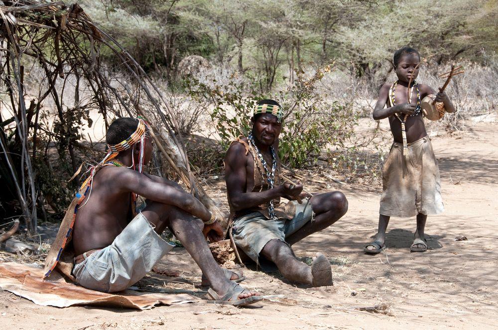 Hadza-folket fra Tanzania var blant urfolkene som deltok i undersøkelsen. Foto: Shutterstock