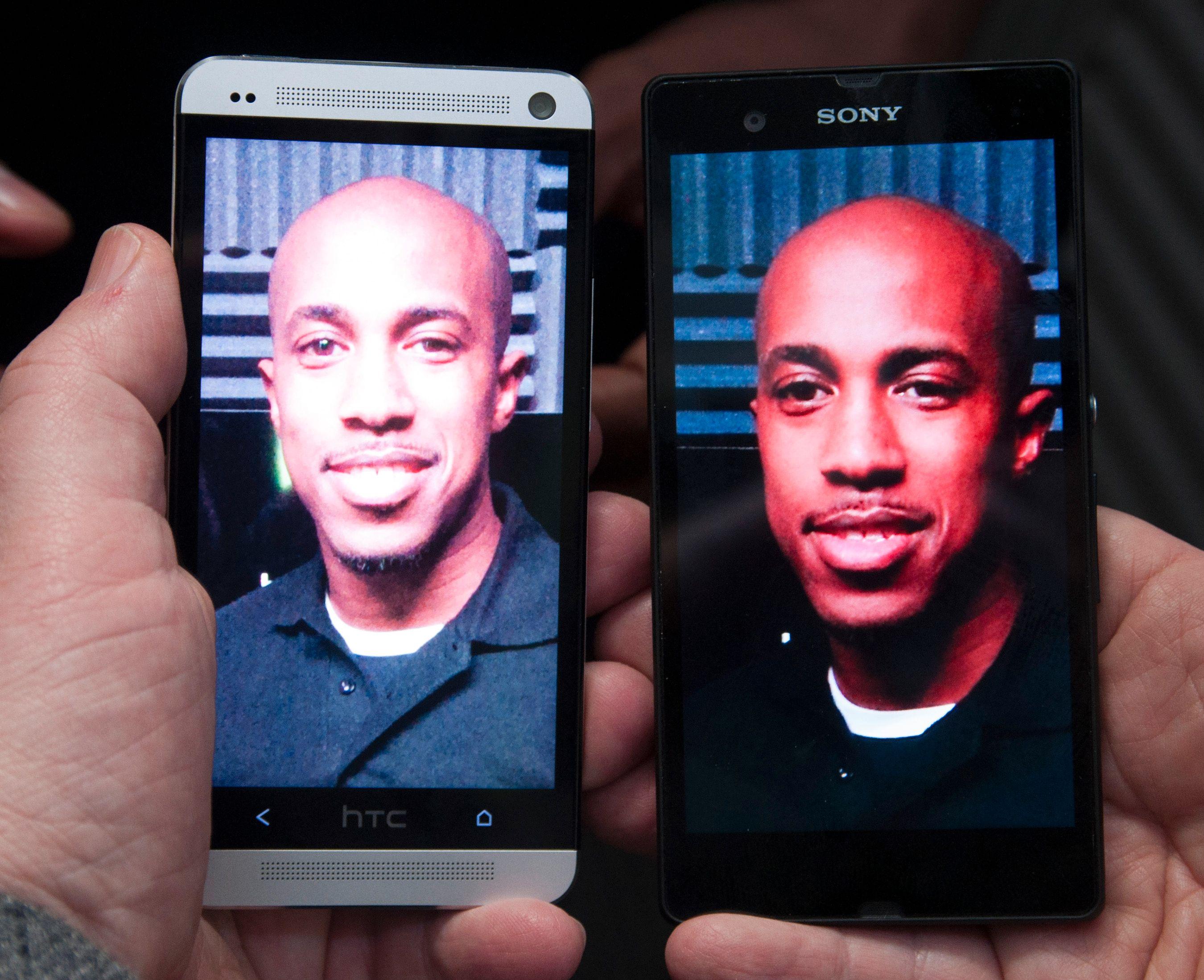 HTC One ved siden av Sony Xperia Z. HTC skrøt mye av kameraet sitt, men her ser det ut til at Xperia Z har tatt innersvingen på det. Akkurat hvor godt kameraet i One er, får vi ikke vite før vi får et endelig eksemplar til test.Foto: Finn Jarle Kvalheim, Amobil.no