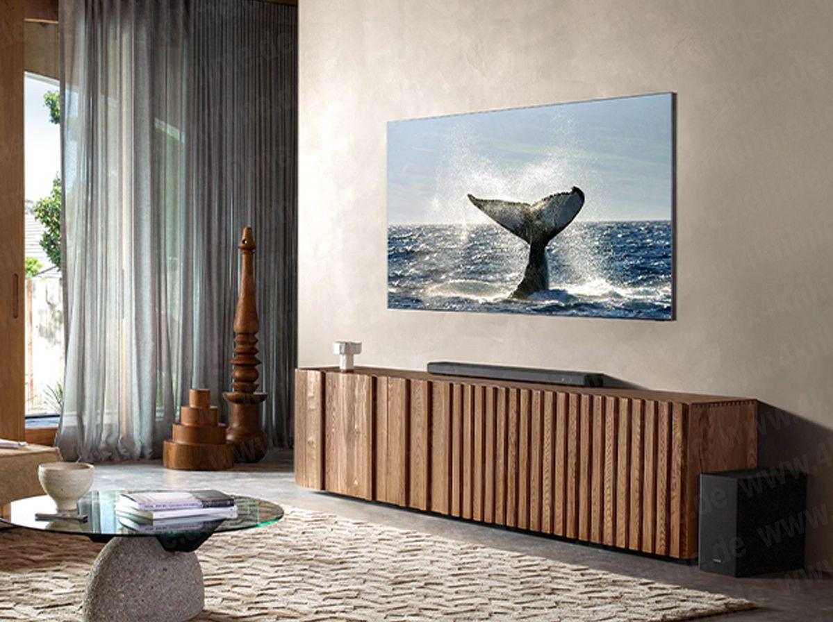 At TV-en vil være helt trådløs er nok svært usannsynlig. Samsung går nok sannsynligvis for sin eksterne One Connect-boks, som betyr at både strøm og signal leveres gjennom en svært tynn kabel til TV-en.