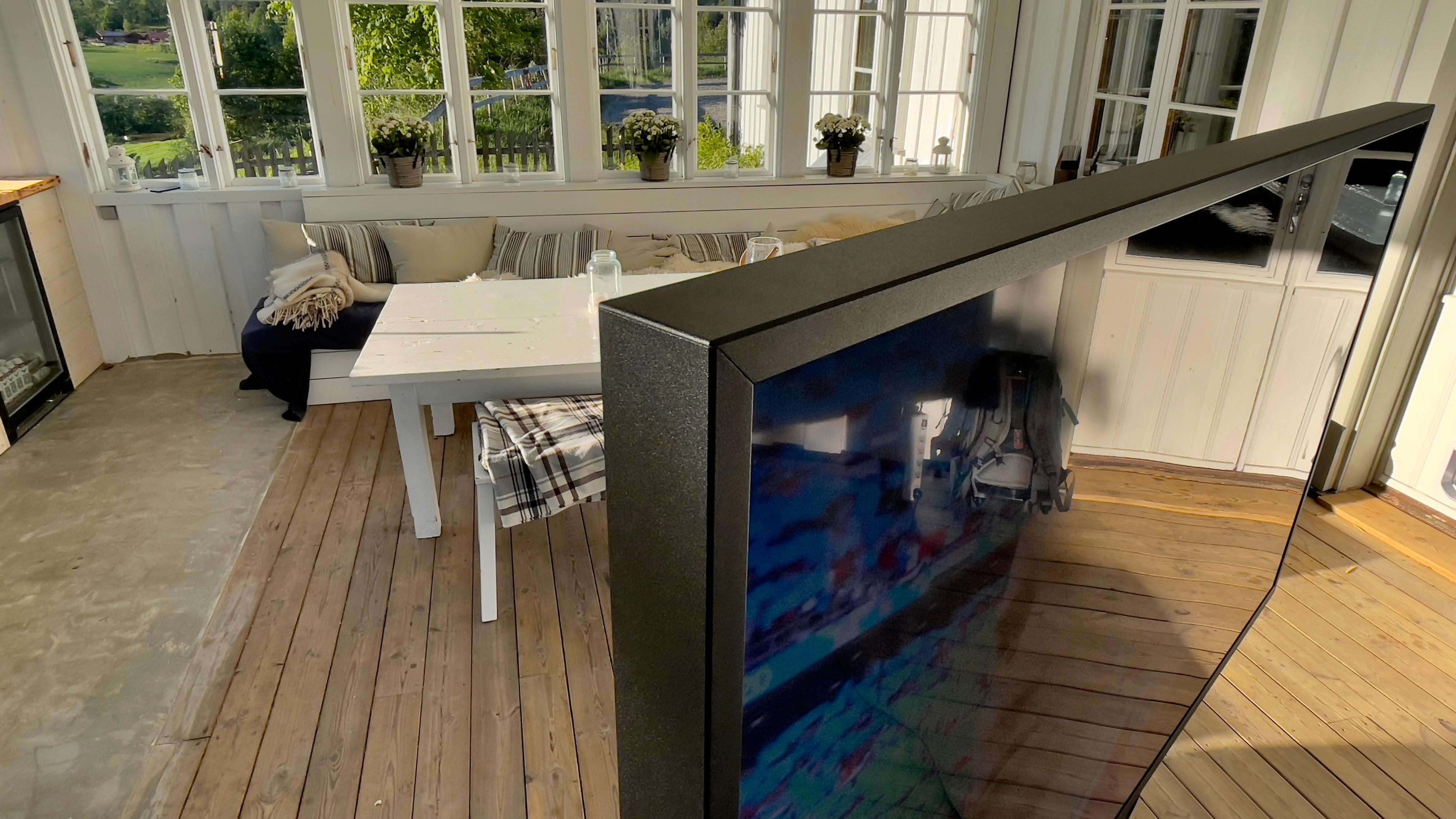 TV-en er langt fra slank og tynn.