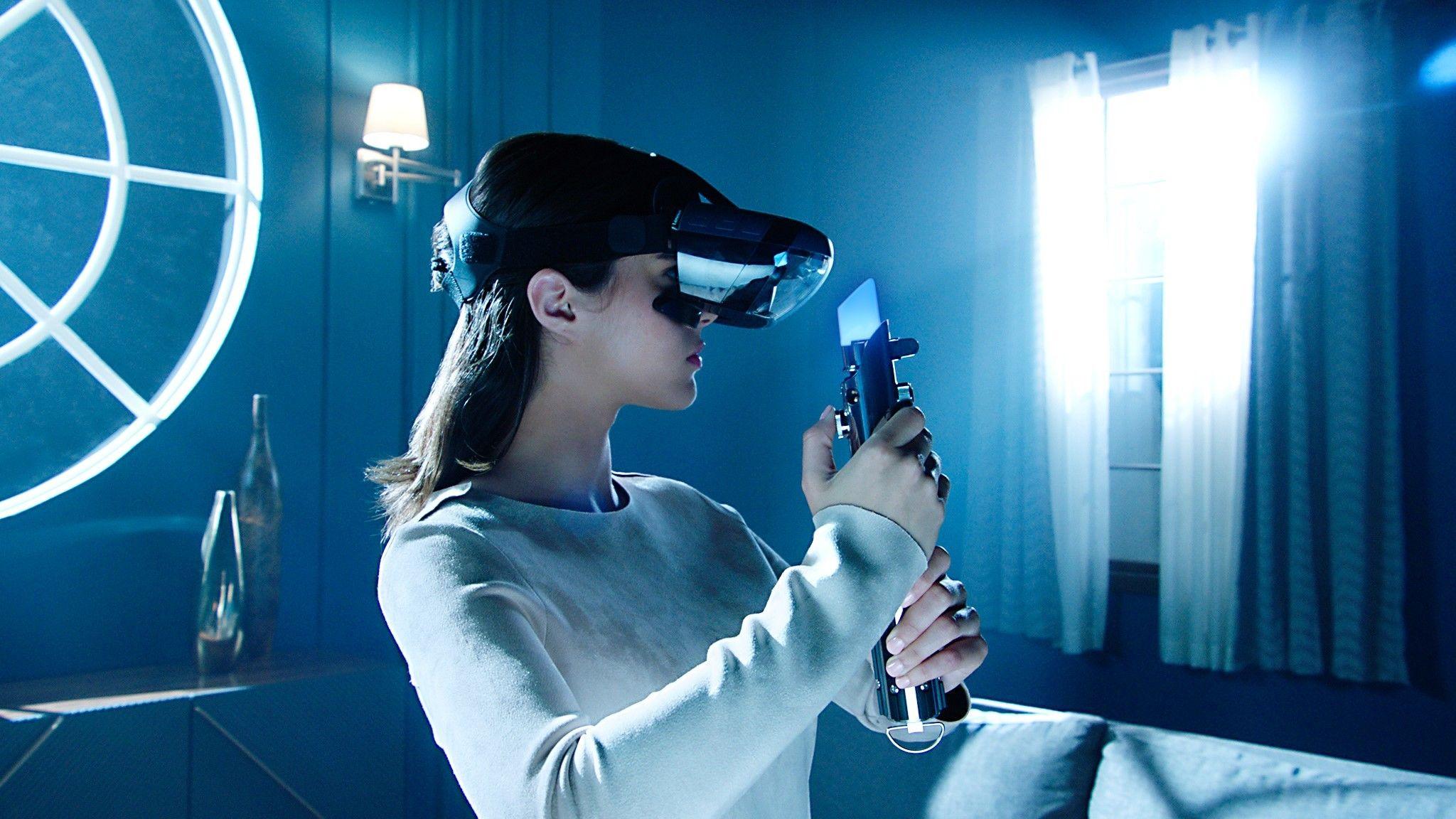 Lenovo viste også nylig frem et par andre utvidet virkelighet-briller som blant annet kan brukes til å spille Star Wars med en tilhørende lyssabel.