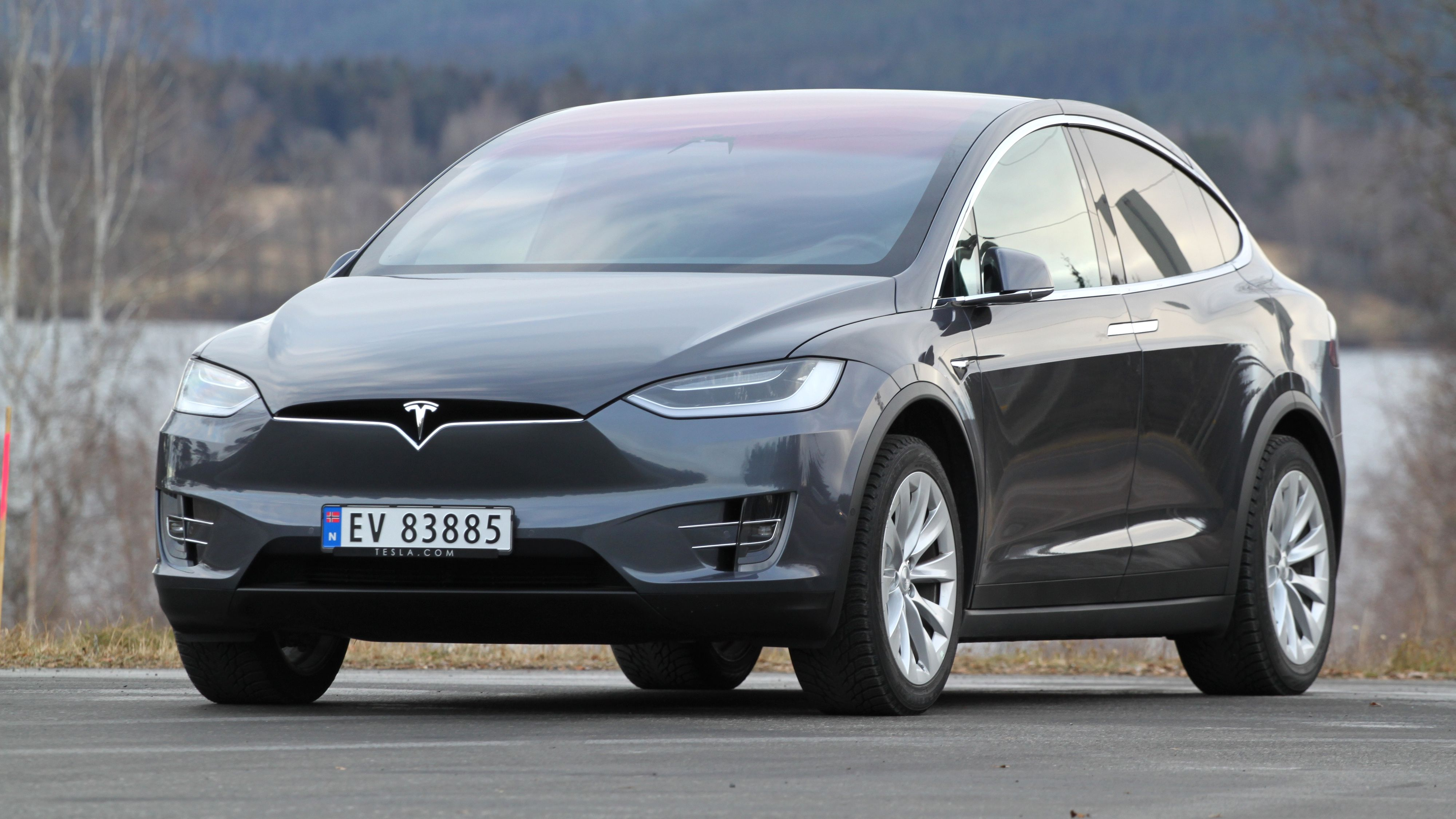Nyere Tesla Model X-biler får støtte for raskere lading på Supercharger-nettverket.
