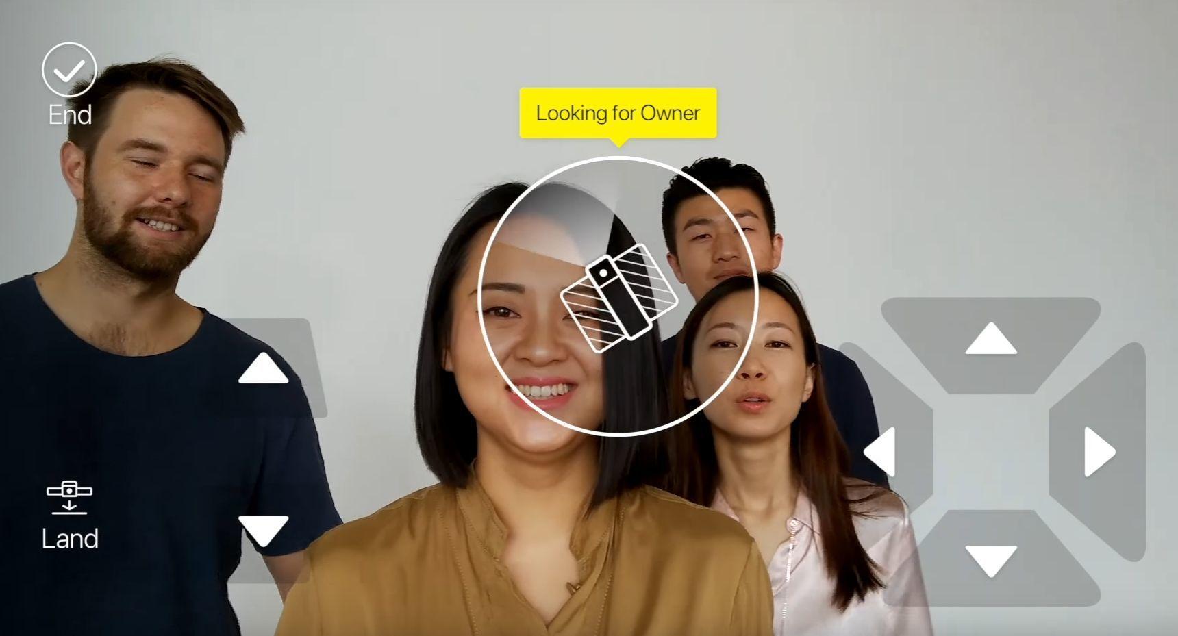 Dronen leter etter eieren og begynner å ta opp video og følge etter deg når den gjenkjenner ansiktet ditt.