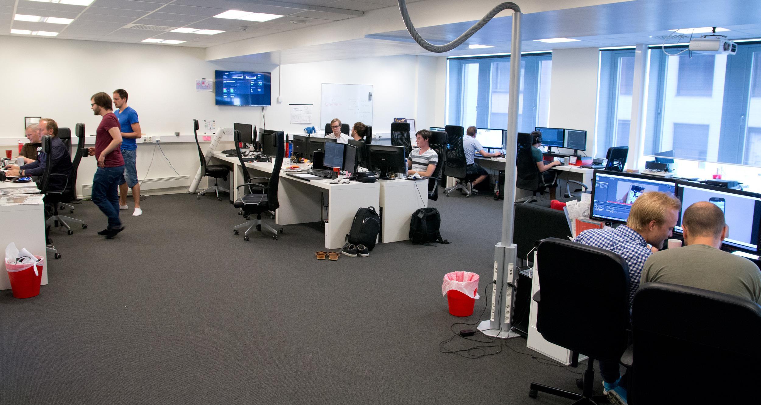 Lyse og trivelige lokaler, med et heller ungt utviklingsmiljø.Foto: Rolf B. Wegner, Hardware.no