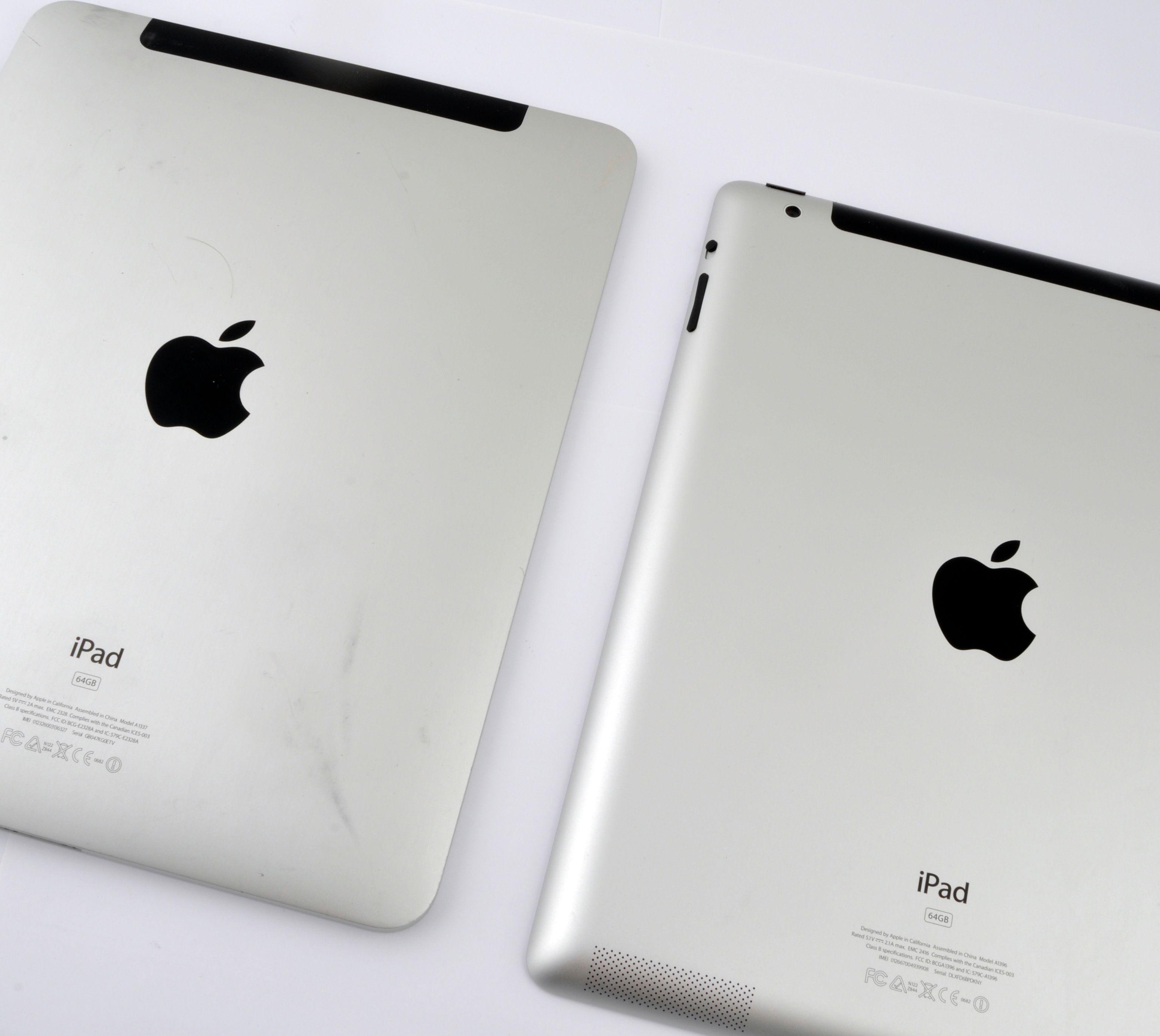 iPad 2 til høyre i bildet.
