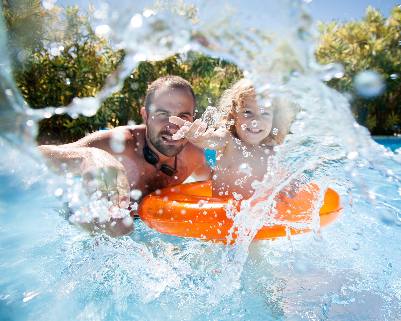 Ikke vær redd for å gå nærmere. Men sørg gjerne for at kameraet tåler vann før du blir med på vannkrig.