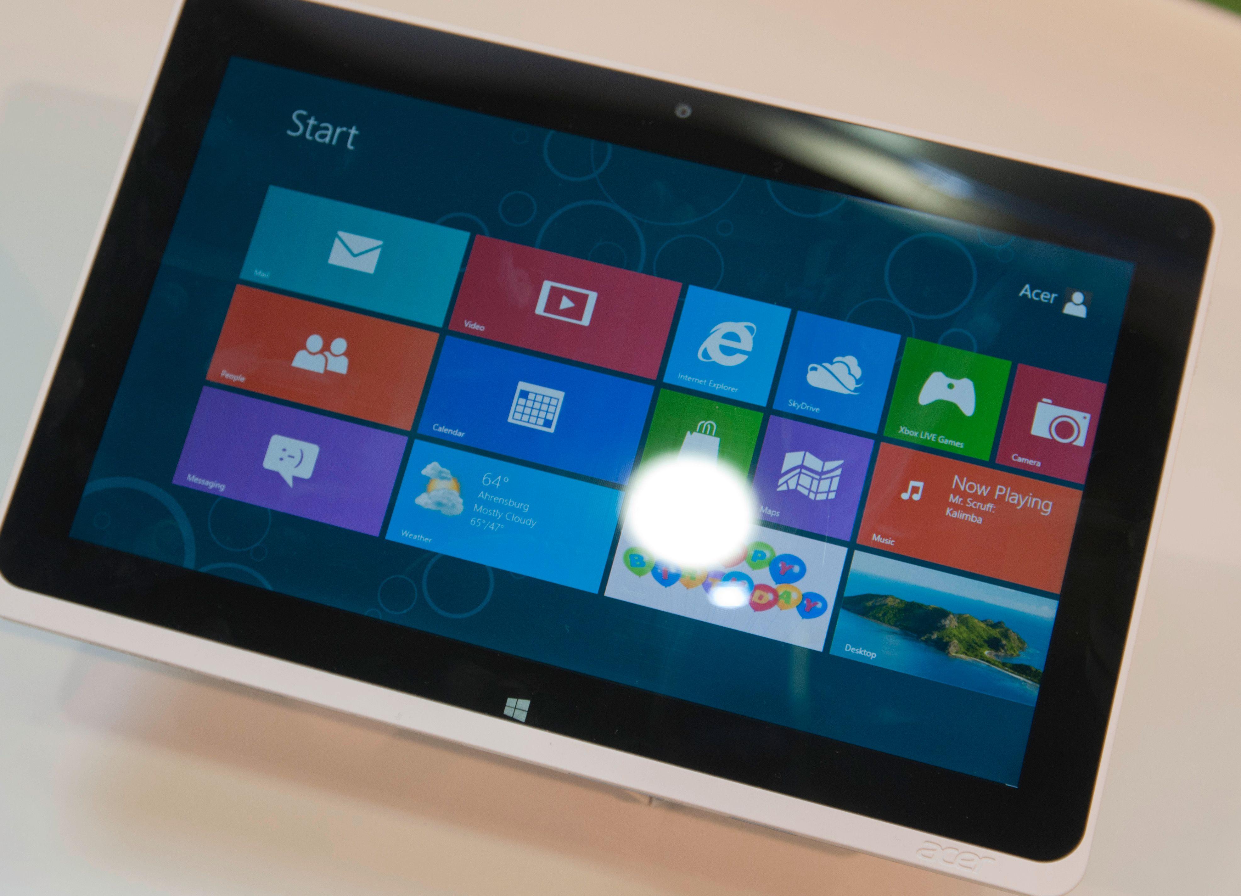 Også i Windows 8 Pro er det Microsofts Metro-grensesnitt du forholder deg til.