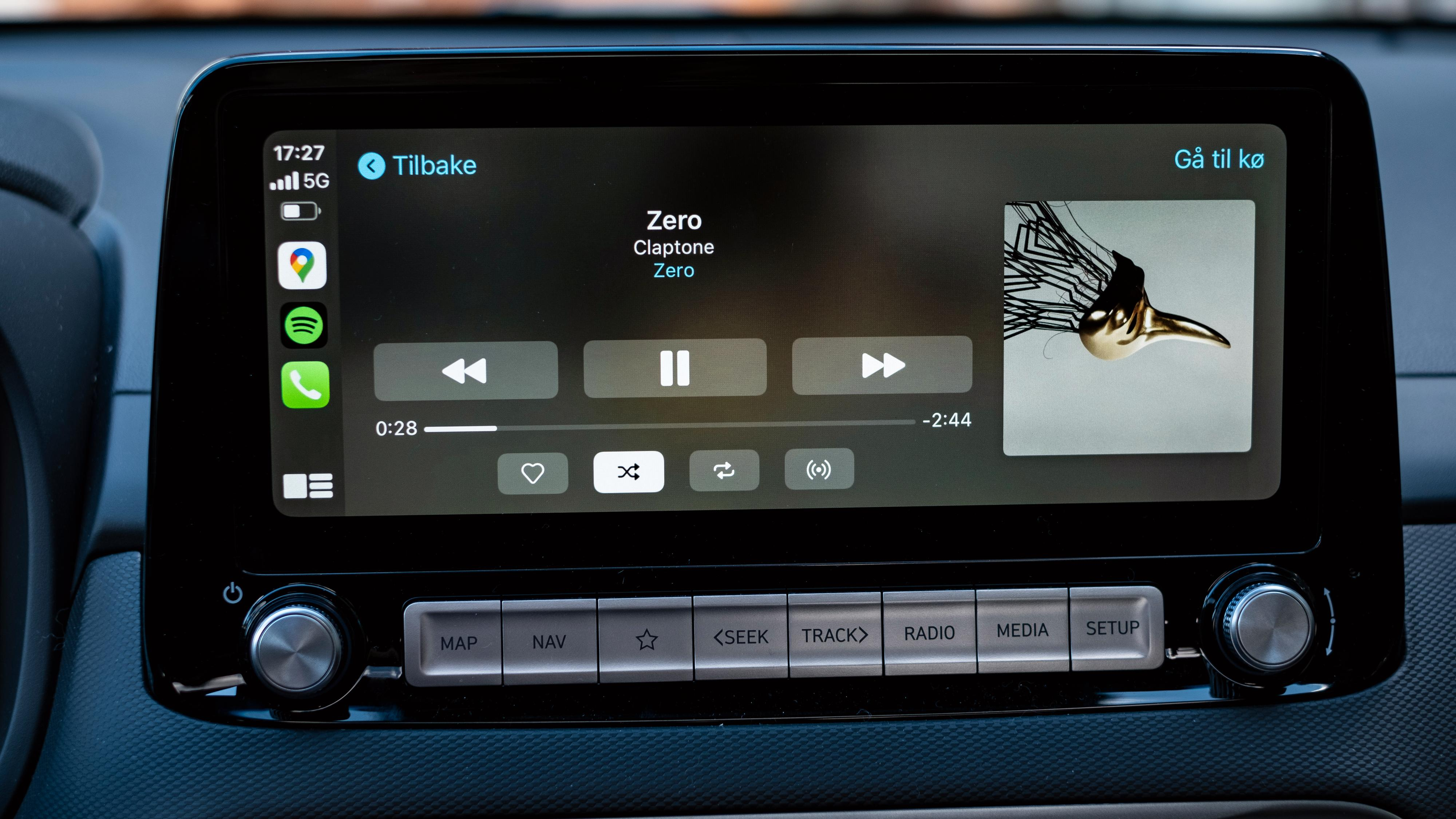 Spotify rett på bilstereoen er én av de mange fordelene med Carplay, og konkurrenten Android Auto.