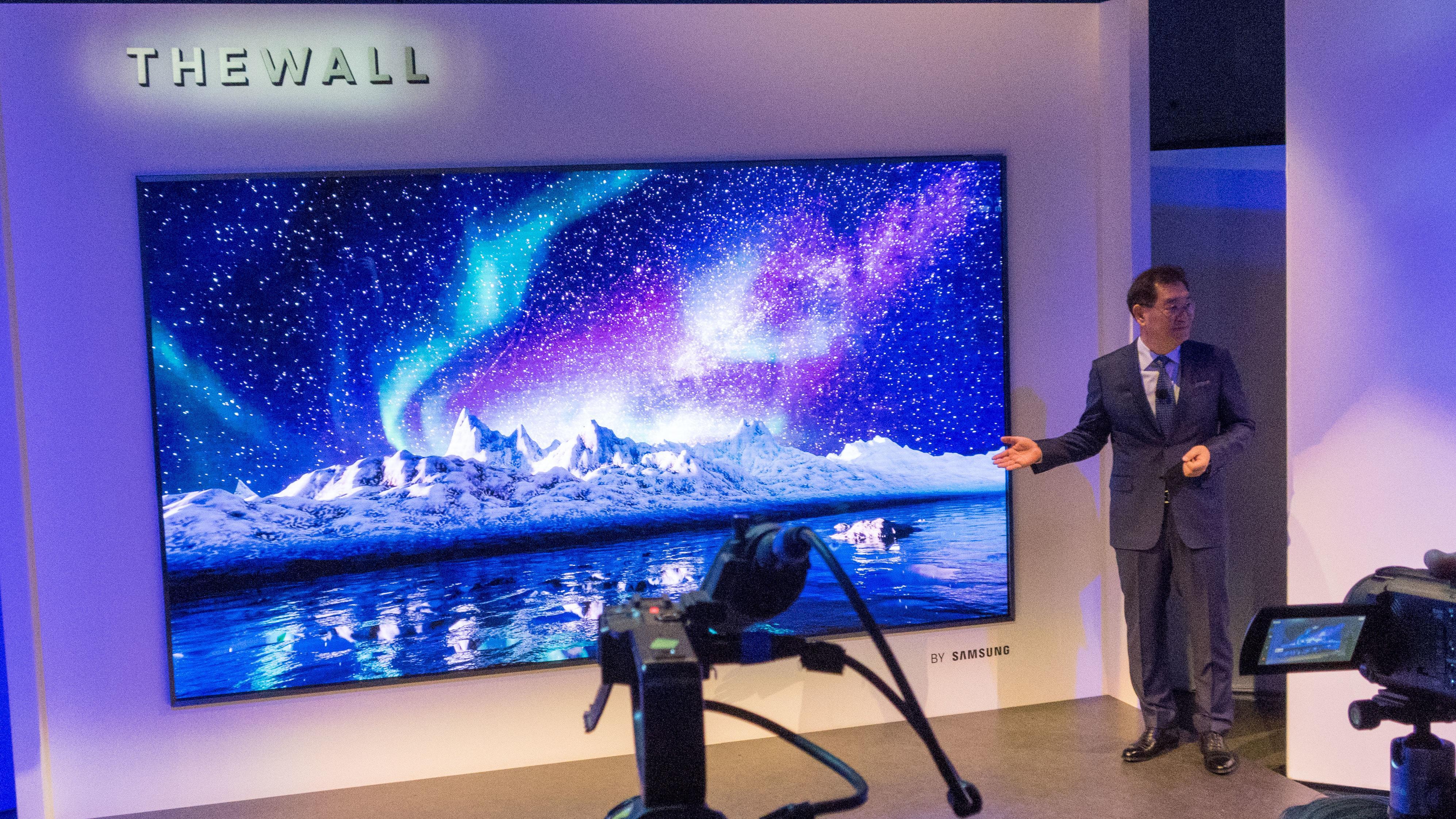 The Wall, Samsungs første micro-LED, får trolig en direkte konkurrent fra rivalen LG, skal vi tro ryktene.