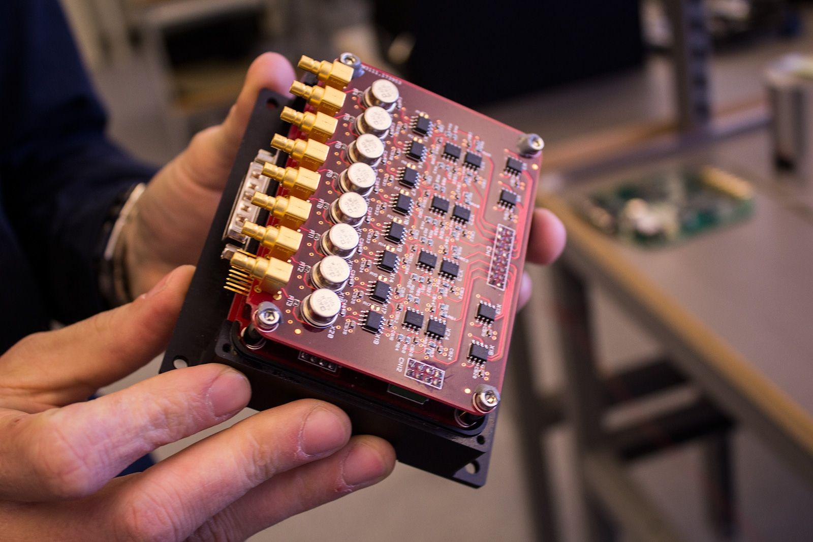 Dette «amperemeteret» er et av satelittens viktigste instrumenter.Foto: Varg Aamo, hardware.no