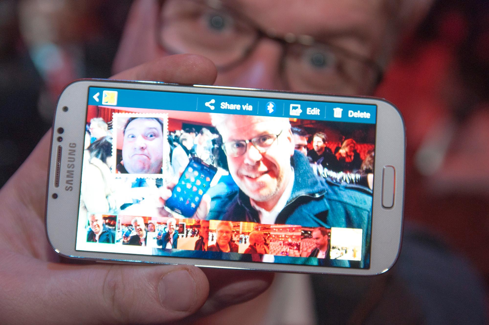 Dualcam-funksjonen lar deg ta bilde med begge kameraene samtidig. Liknende funksjoner fins også i videoopptakeren.Foto: Finn Jarle Kvalheim, Amobil.no