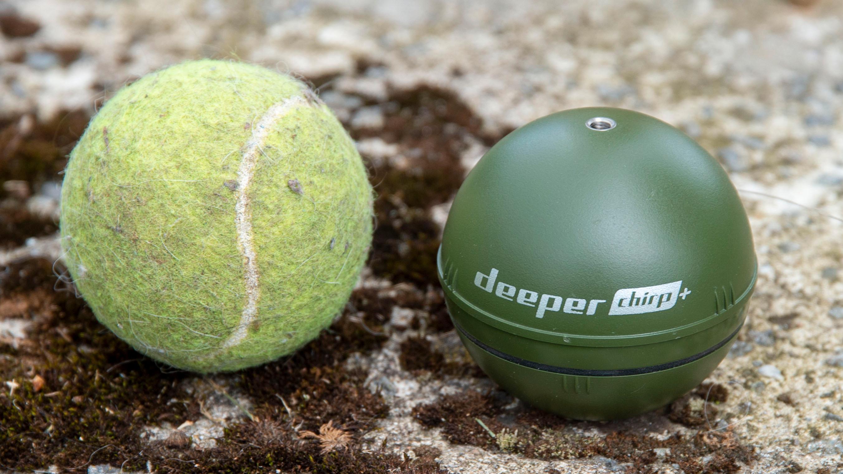 Deeper Smart Sonar Chirp+ er på størrelse med en tennisball