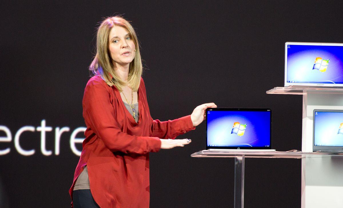 Tami Reller viser frem Windows 8