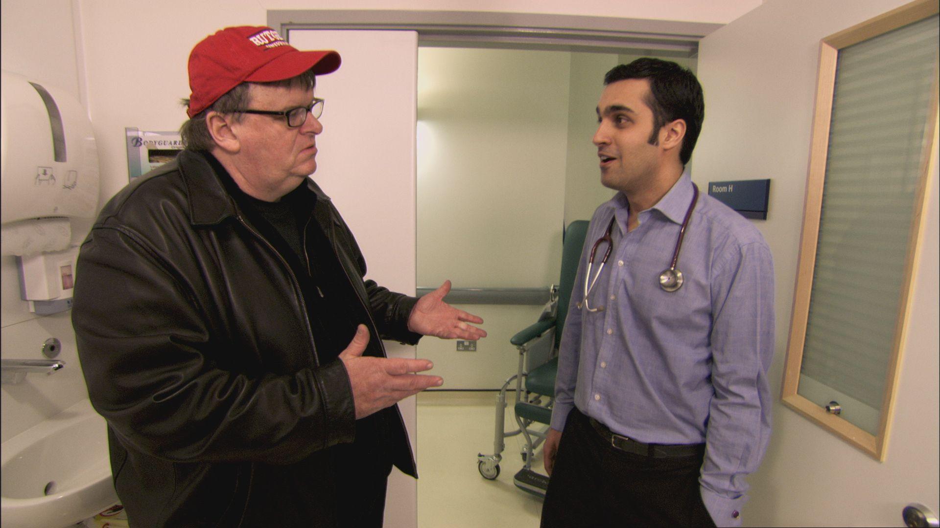 Michael Moore gjør det han kan best, sjokke og plage.