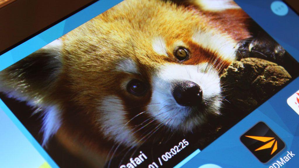 Nok et nærbilde av skjermen, denne gangen med andre farger.Foto: Espen Irwing Swang, Amobil.no