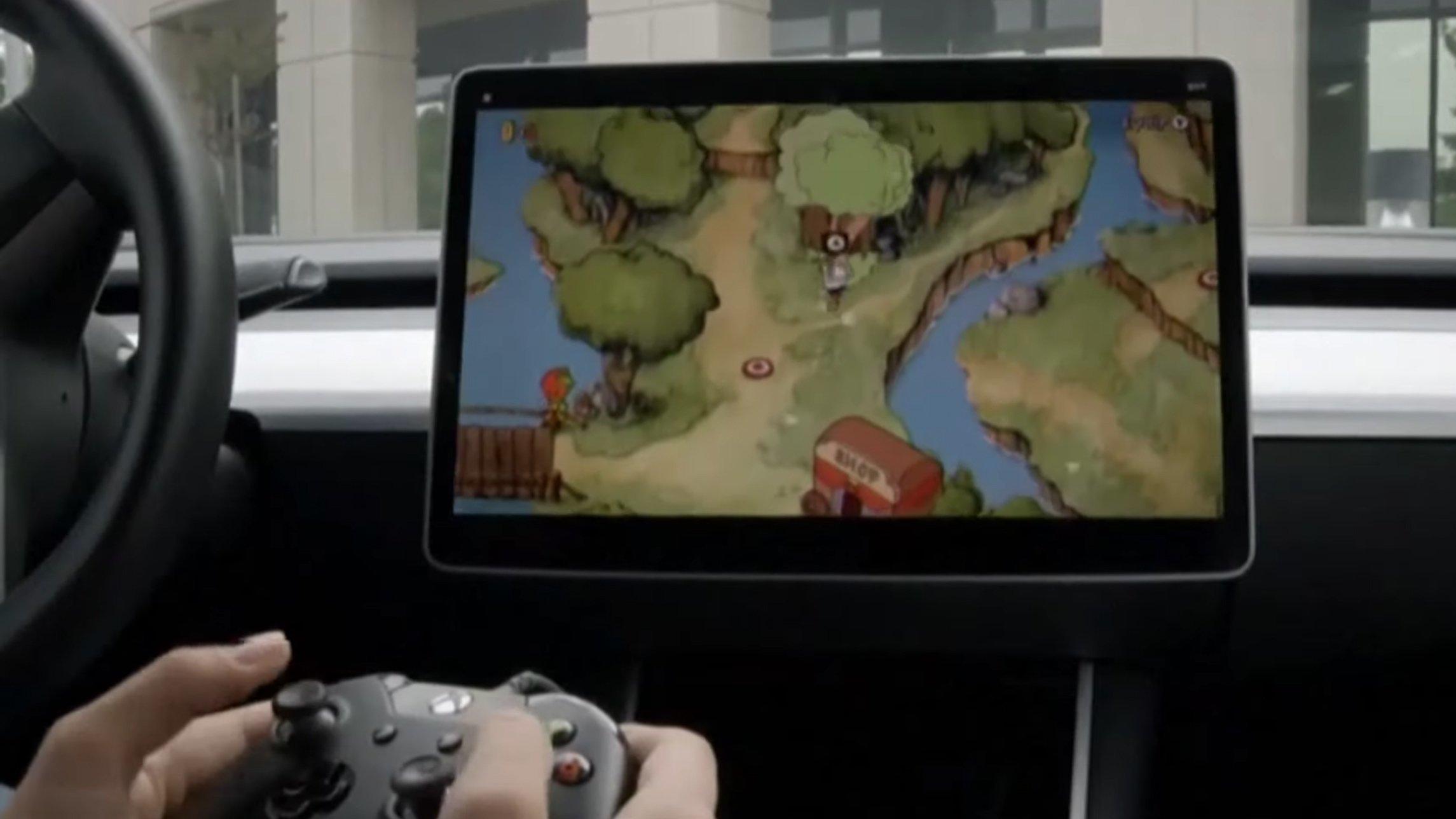 Her ser du Cuphead bli spilt med en Xbox-kontroller.
