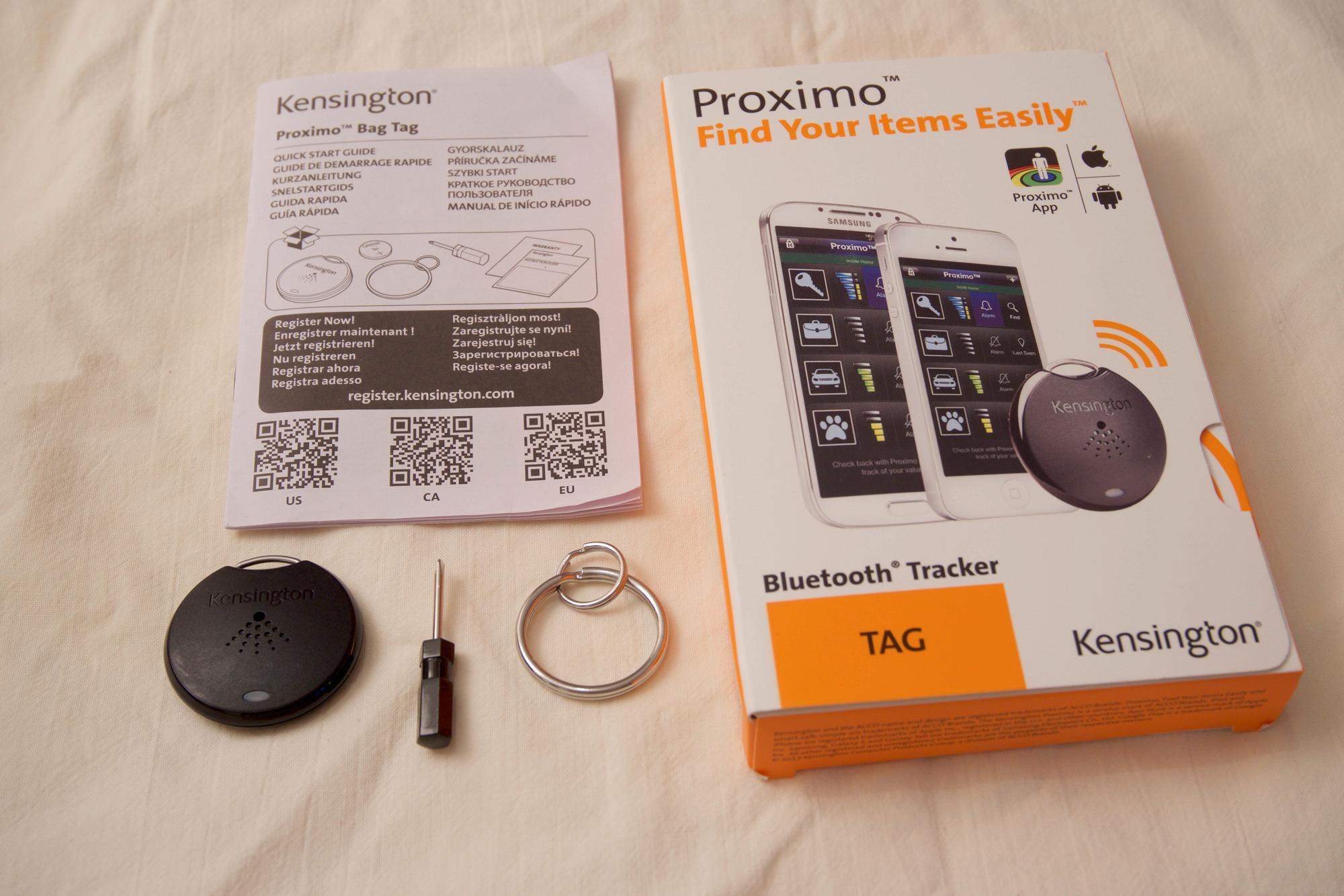 Innholdet i Proximo Tag-pakken: boks, brukerhåndbok, nøkkelring(er), skrutrekker og Proximo Tag-brikken.