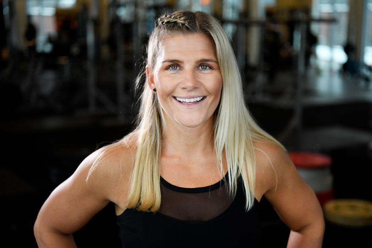 Kerstin Rosenbom är PT och specialist på mammaträning, tipsar om bra magträning.