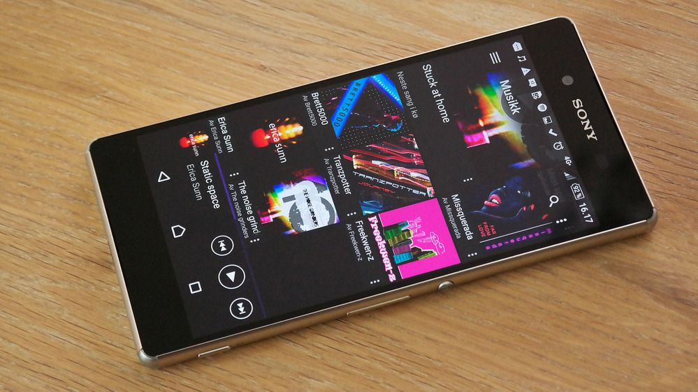 Sony har bekreftet at de oppdaterer toppmodellene tilbake til Xperia Z3+. Eldre enheter eller de rimeligste modellene er foreløpig ikke nevnt.